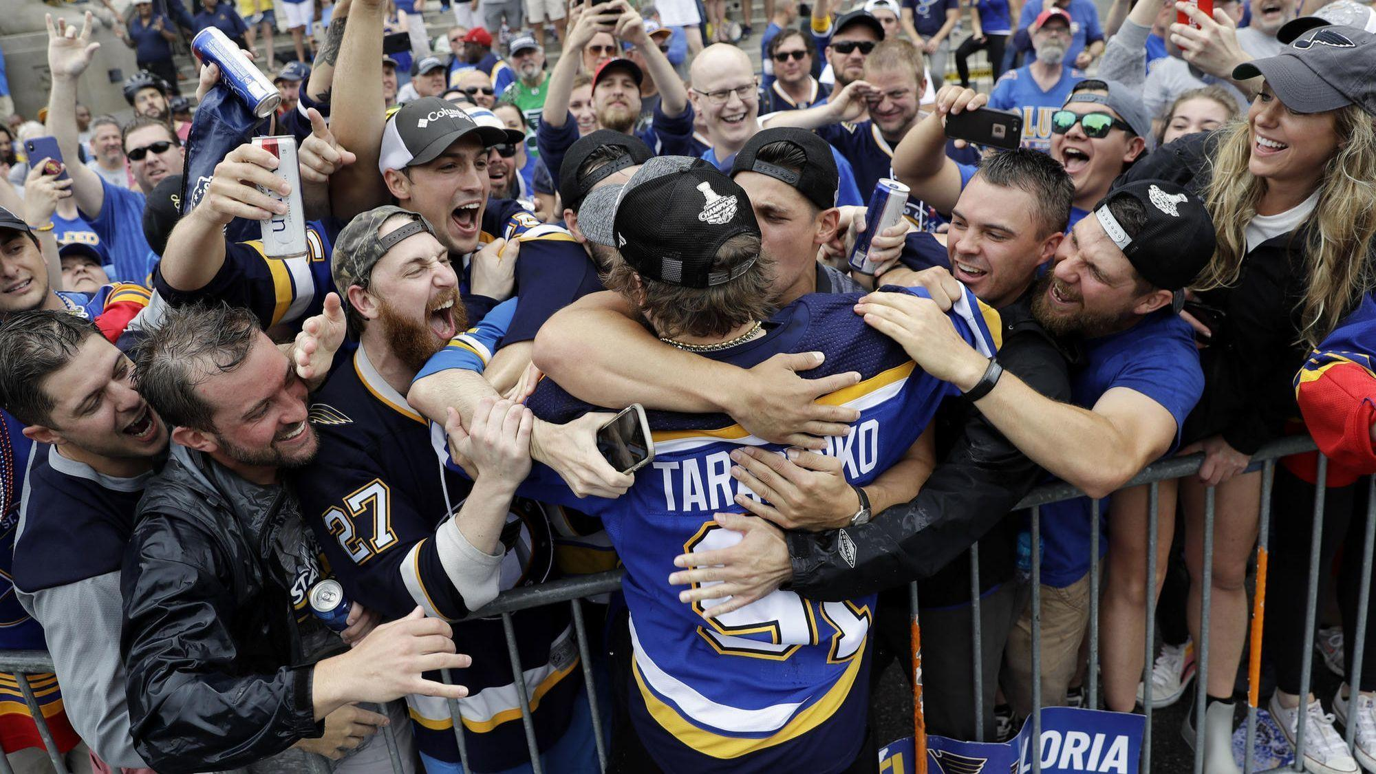 Blues fans pack downtown St. Louis to celebrate the Stanley Cup champions