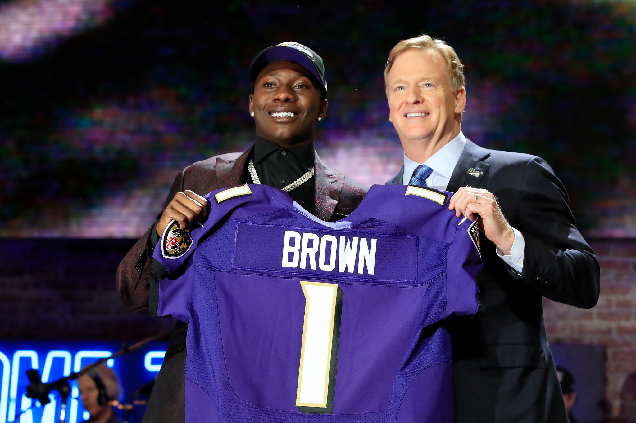 Bal-ravens-selected-wide-receiver-marquise-brown-20190425