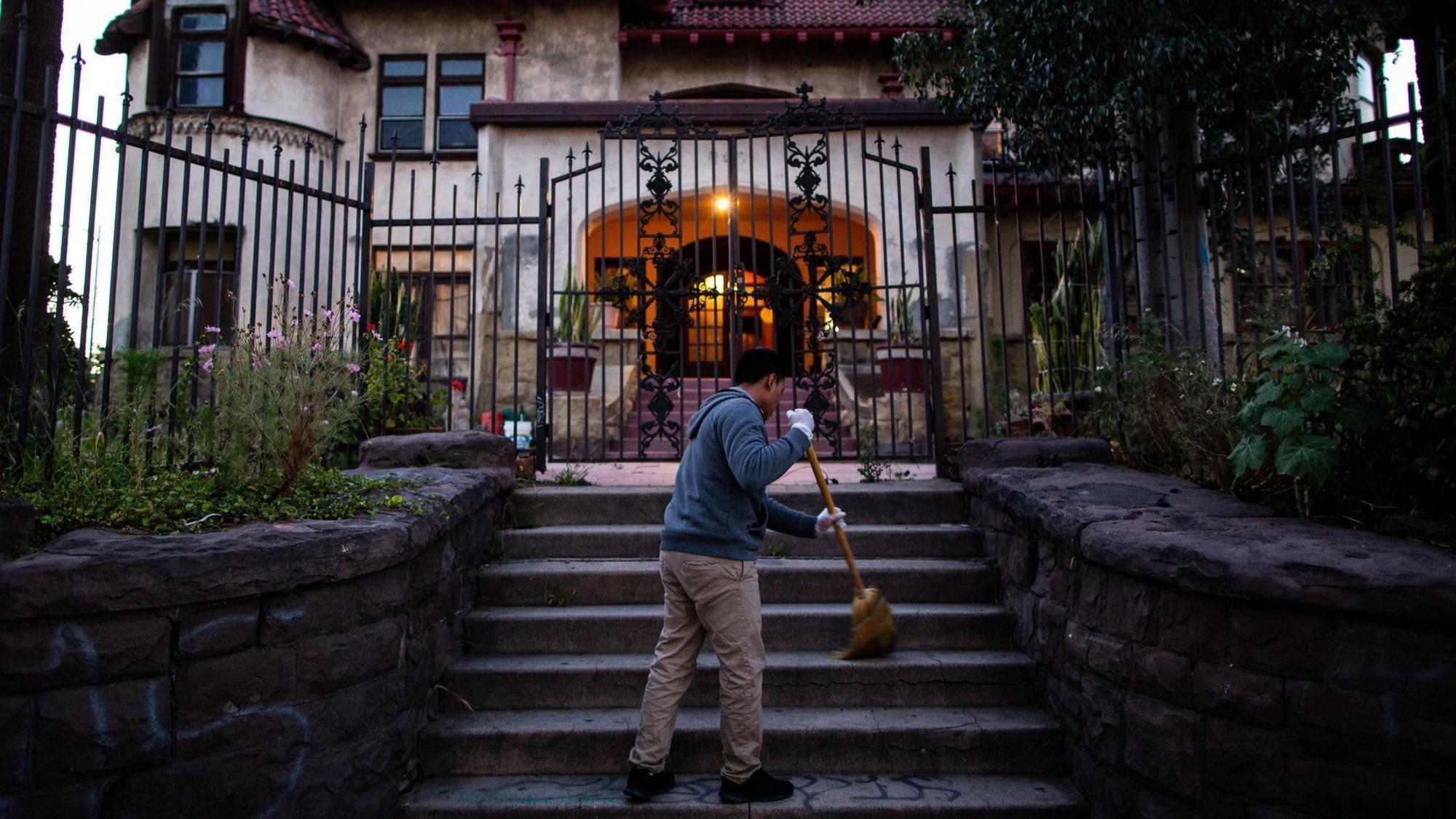 Casa Libre: State officials step up enforcement against L.A. group home for migrant children