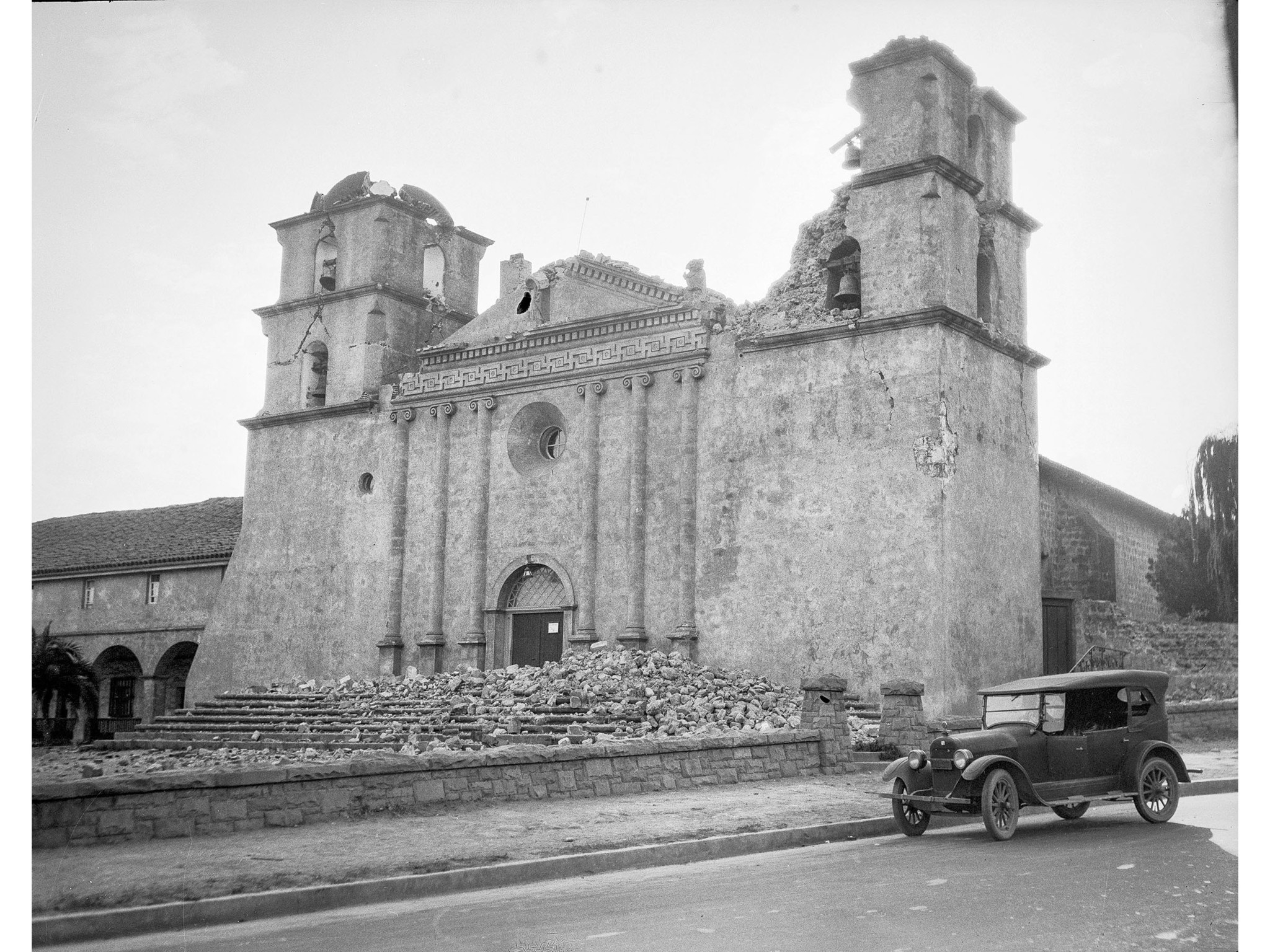 June 1925: Exterior of Mission Santa Barbara following the 6.8 earthquake of June 29, 1925. This pho