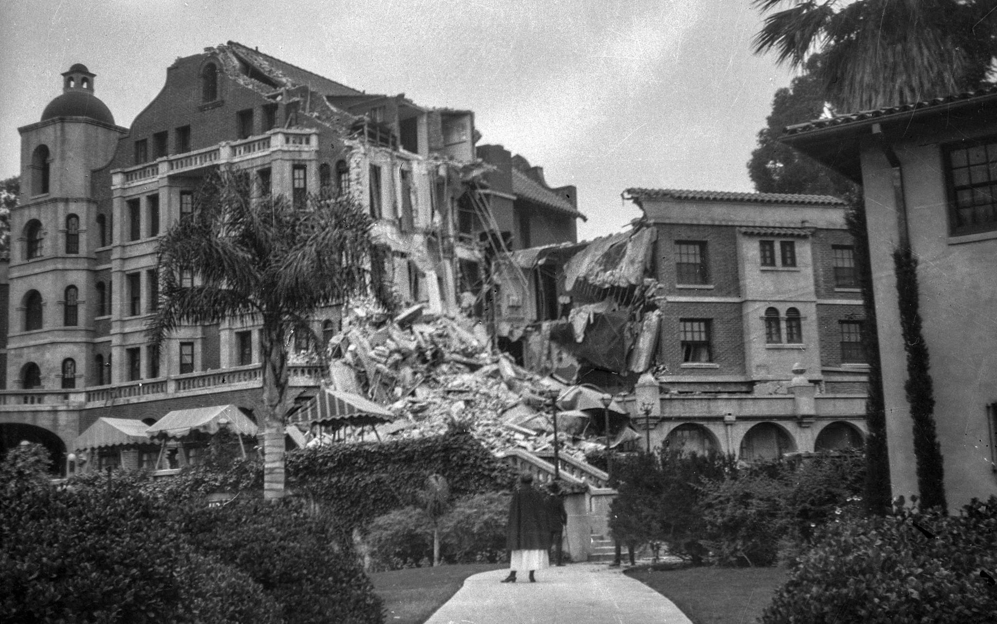June 1925: Damaged Arlington Hotel following the June 29, 1925 Santa Barbara earthquake. This image