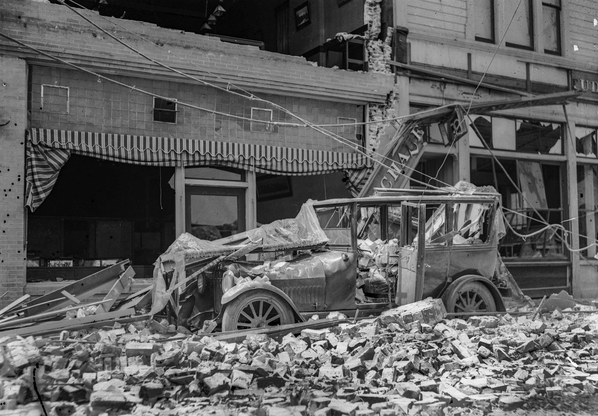 June 1925: Vehicle in Santa Barbara damaged by the June 29, 1925 earthquake. The small black dots on
