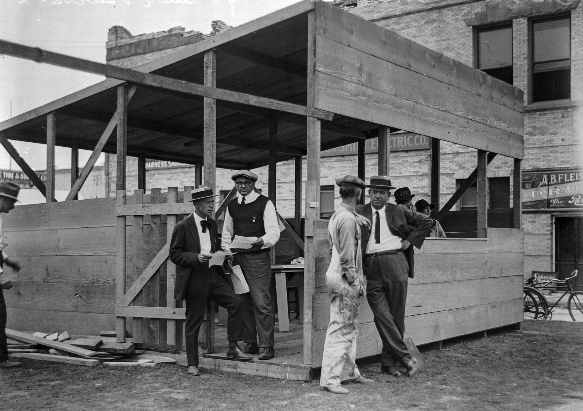 July 1925: Temporary Chamber of Commerce office following the Santa Barbara earthquake.