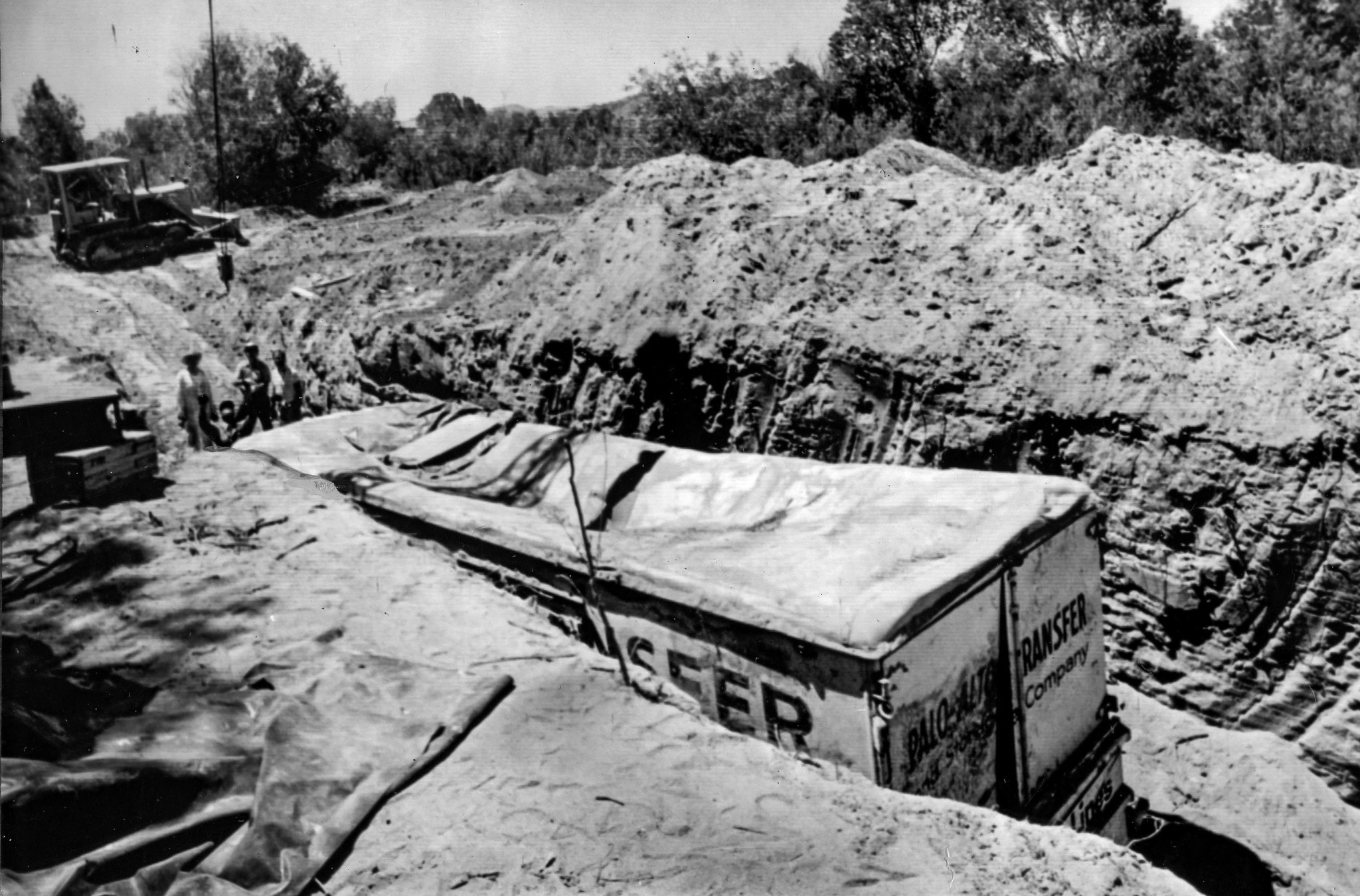 July 20, 1976: Moving van trailer in which the Chowchilla victims were imprisoned after being dug up
