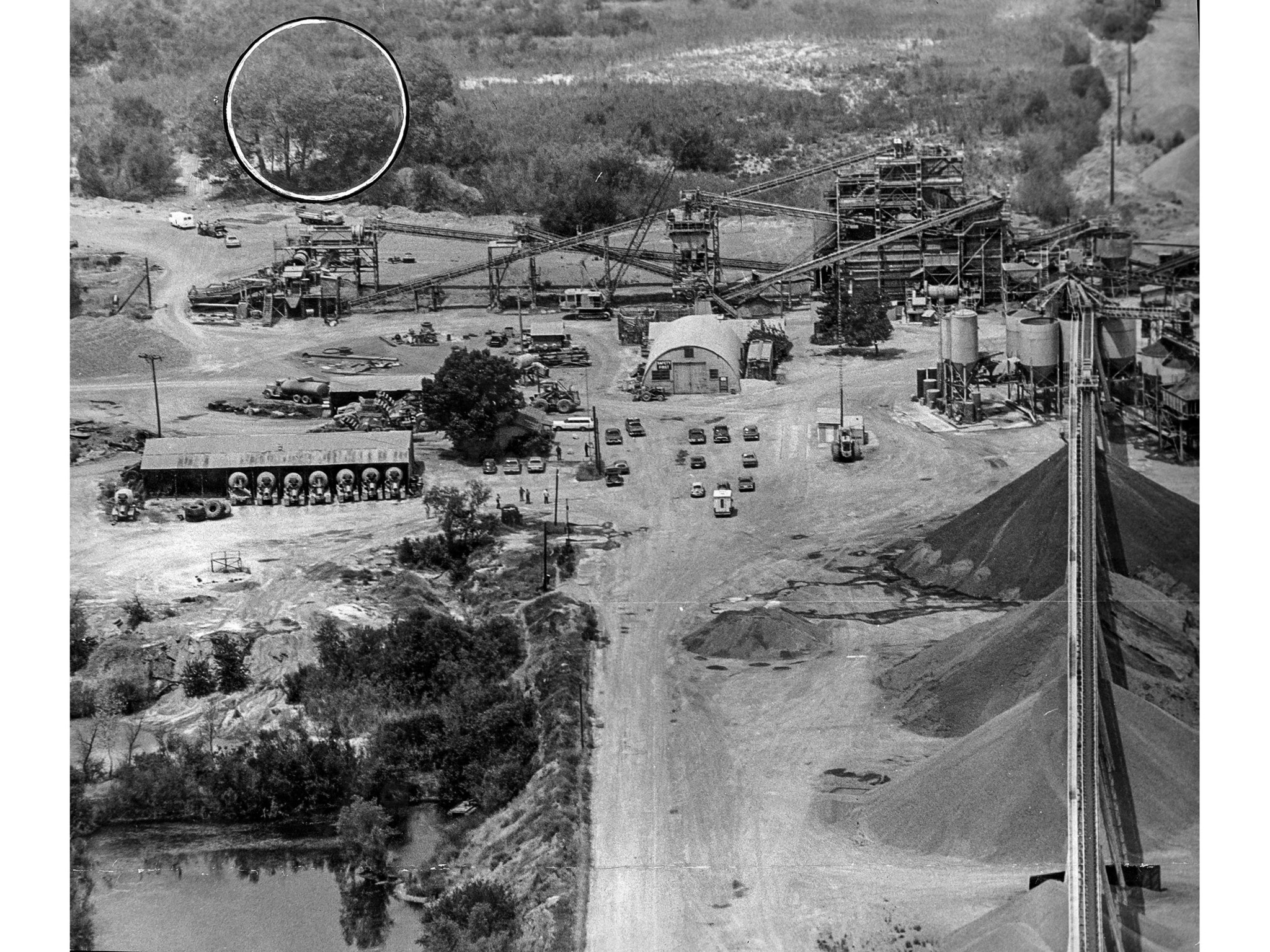 July 17, 1976: Rock quarry in Livermore, California, where kidnapped children and their bus driver w