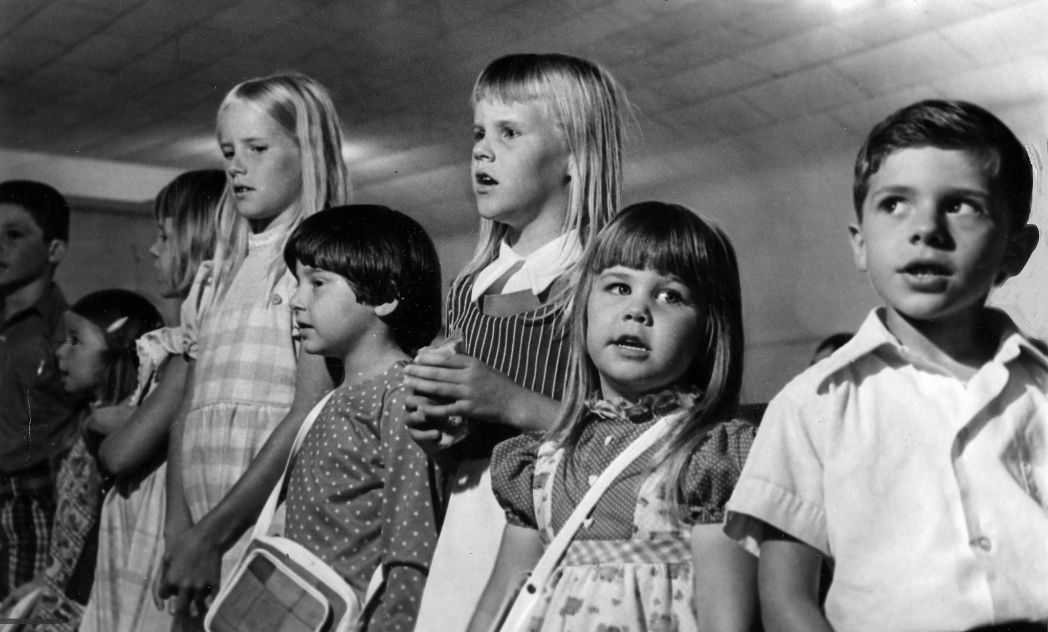 July 17, 1976: Sandy Zylstra, 7, third from right, was the last child to get off school bus before k