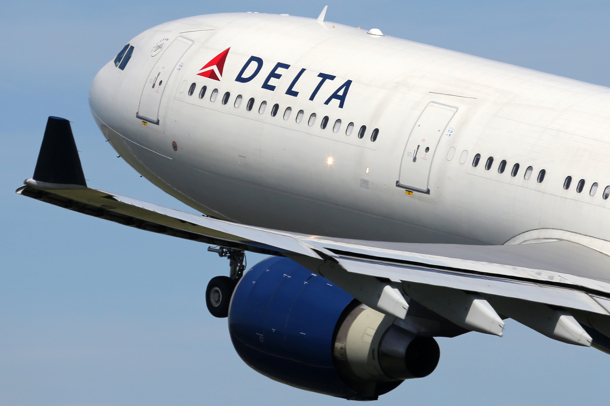 Delta fined $50,000 for kicking 3 Muslim passengers off flights