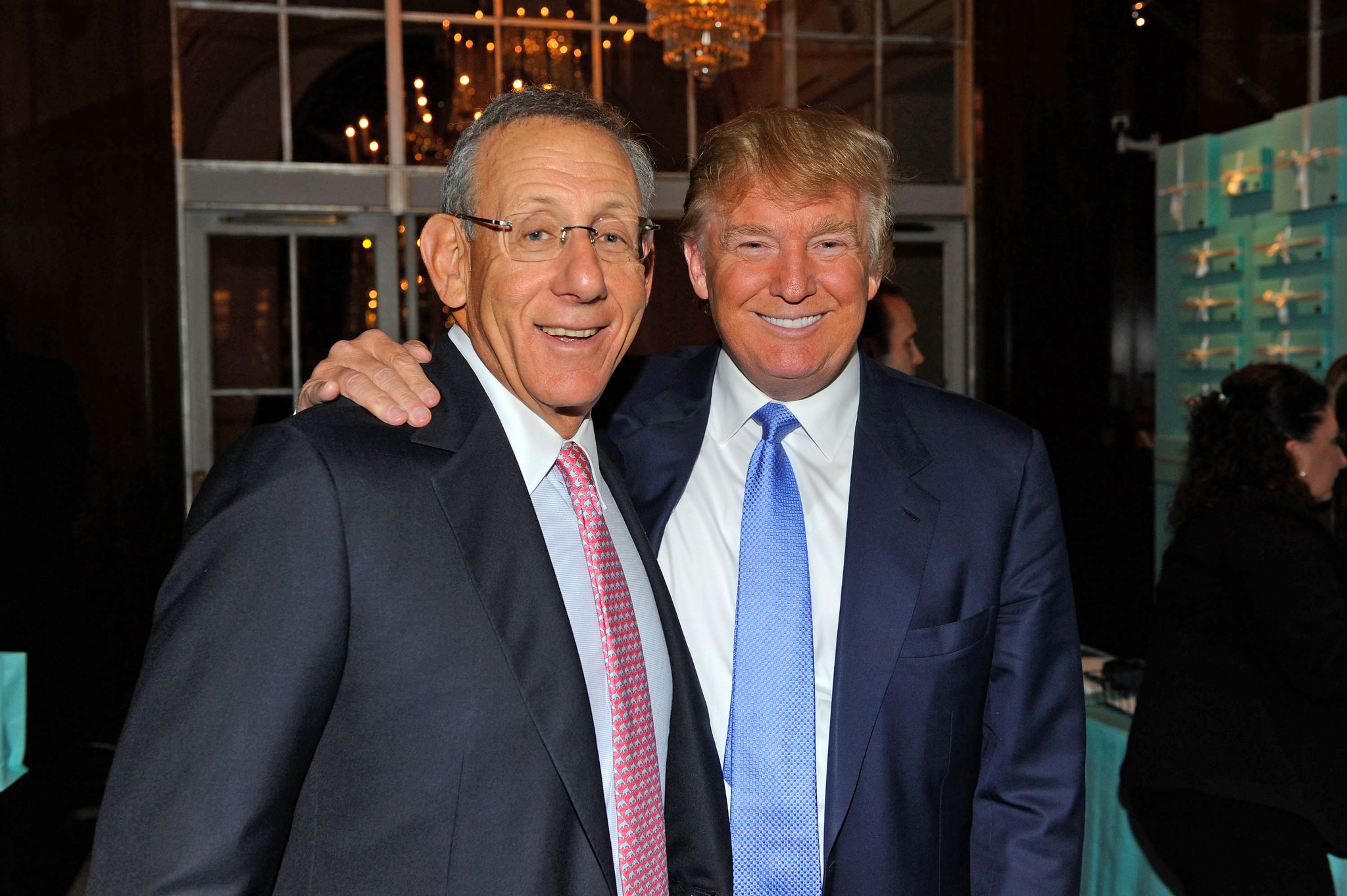 Equinox, SoulCycle members flee as parent company owner Stephen Ross prepares to host Trump fund-raiser