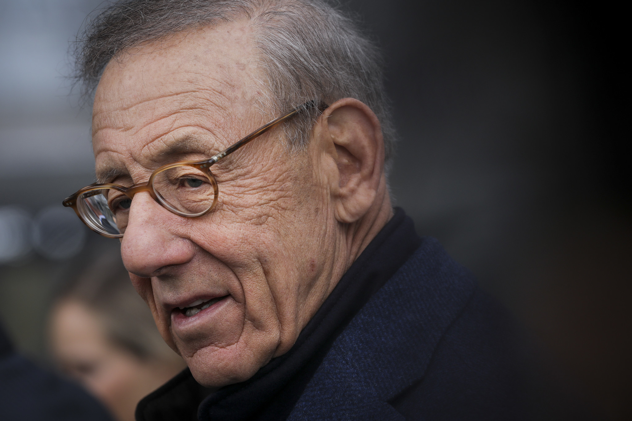 Stephen Ross can't have it both ways