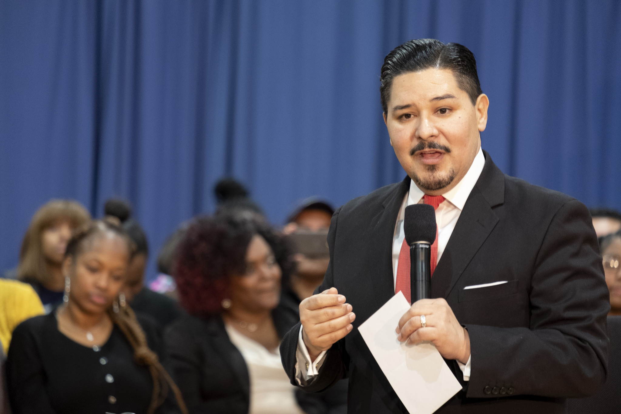 NYC schools chancellor faces off against lawmakers, says state budget would force cuts