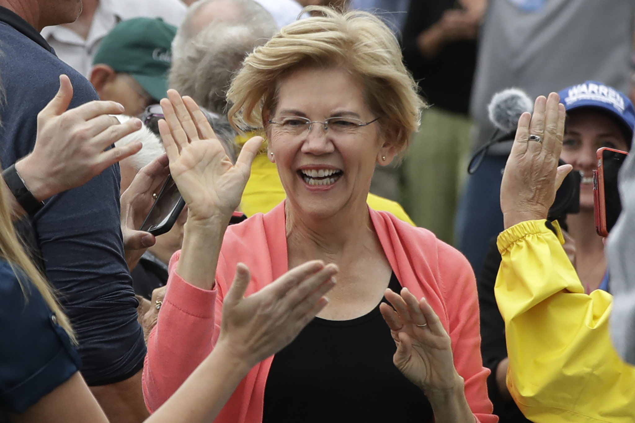 Elizabeth Warren gains in new poll as next Democratic presidential debate approaches