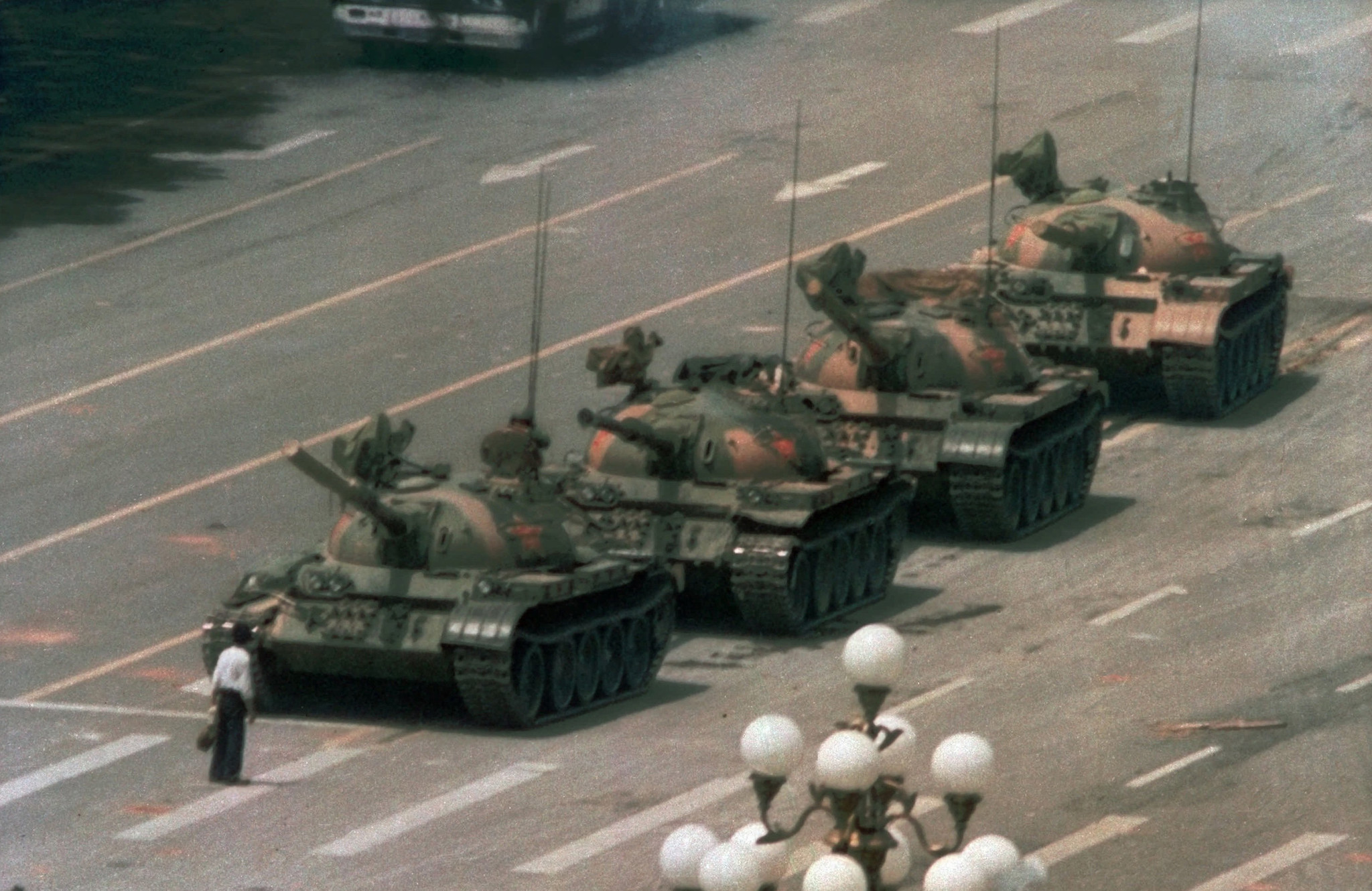 Photographer Charlie Cole — best known for his iconic 1989 Tiananmen Square protest photo — has died