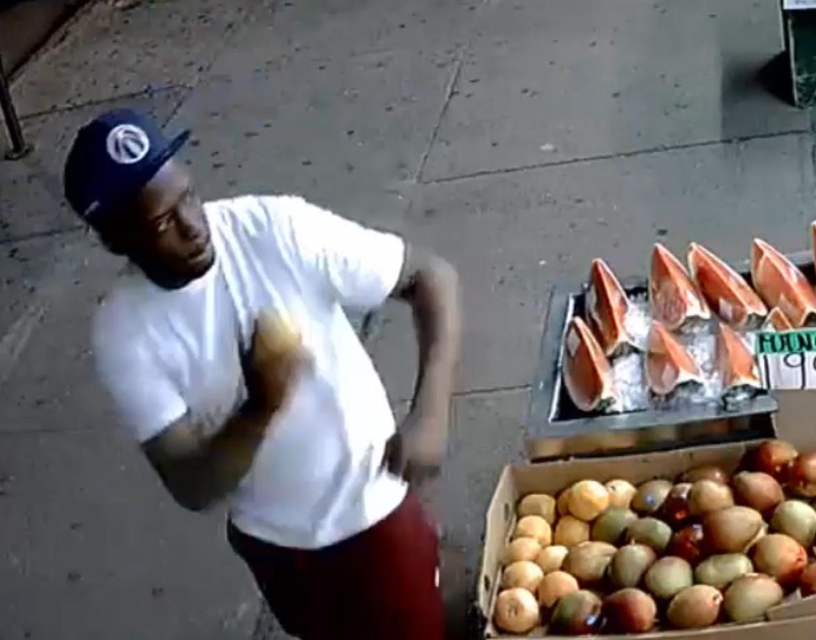 Mango man hurls fruit at stranger before attacking him outside Bronx grocery