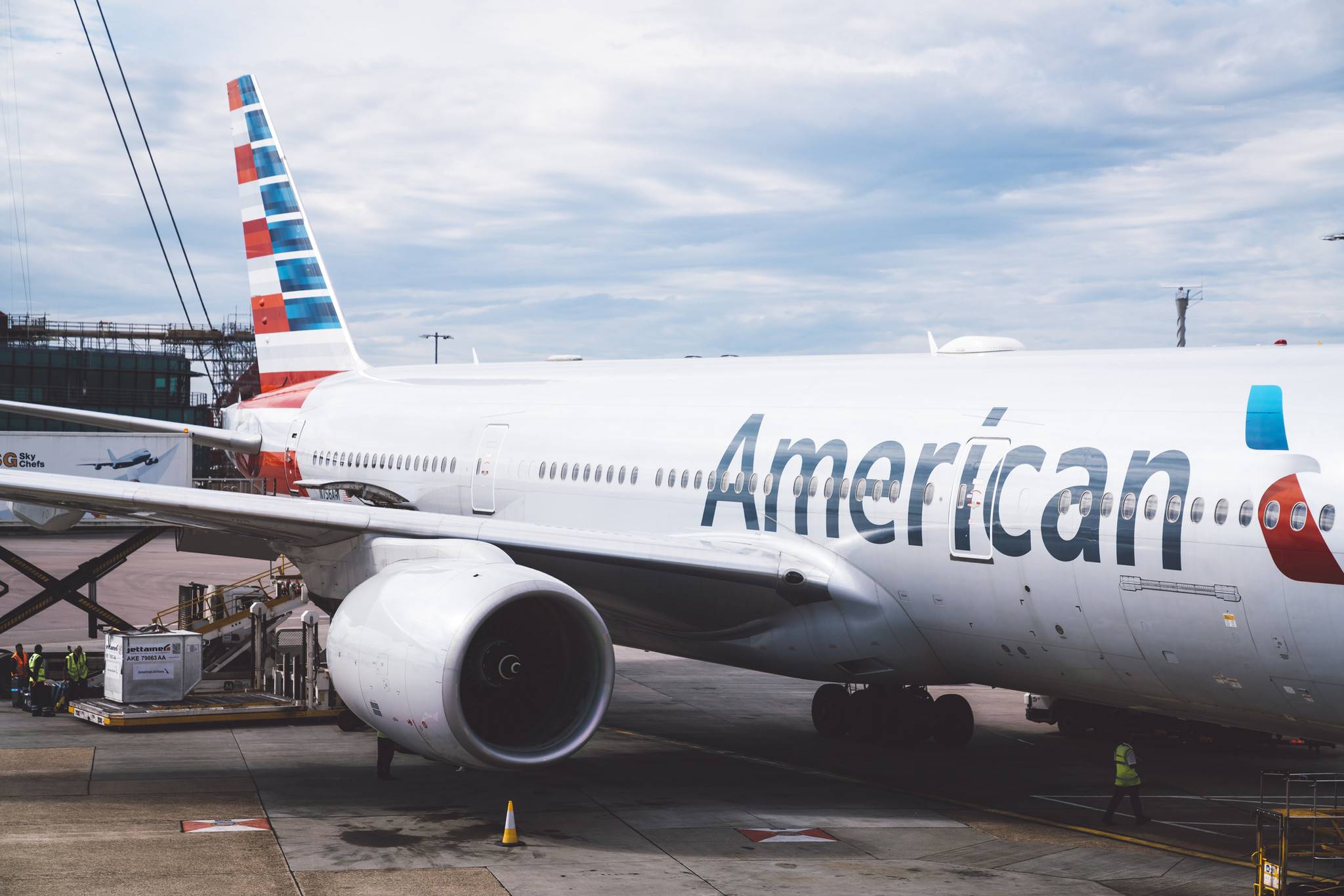 American Airlines ordered woman in 'Hail Satan' T-shirt to change or get kicked off plane: report