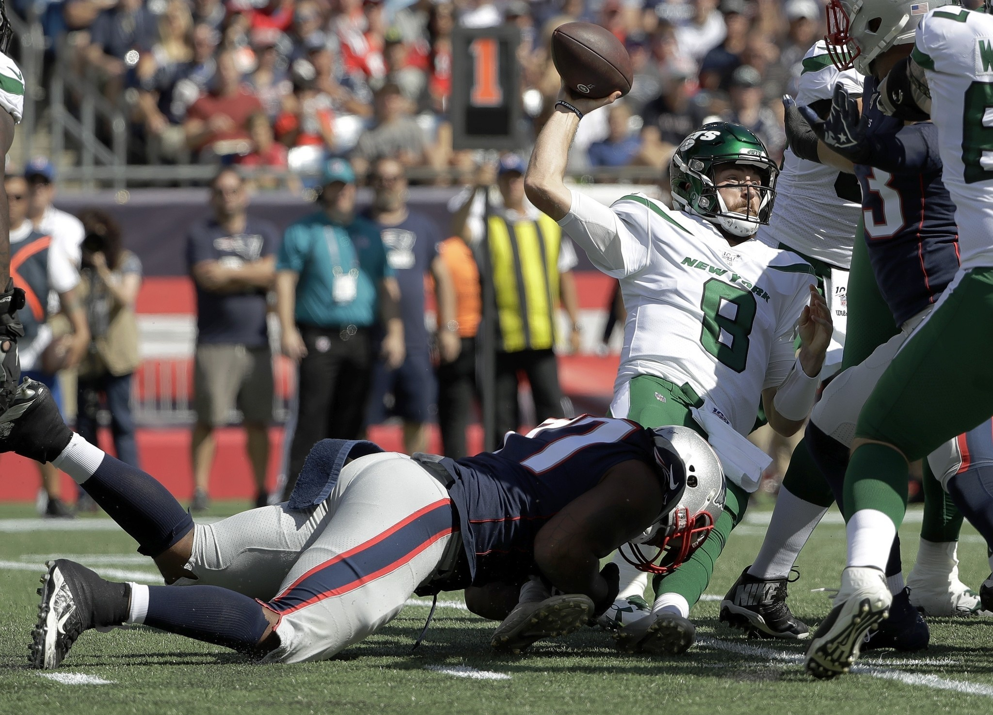 Are the Jets making a mistake by not fully preparing Luke Falk to start against the Eagles?