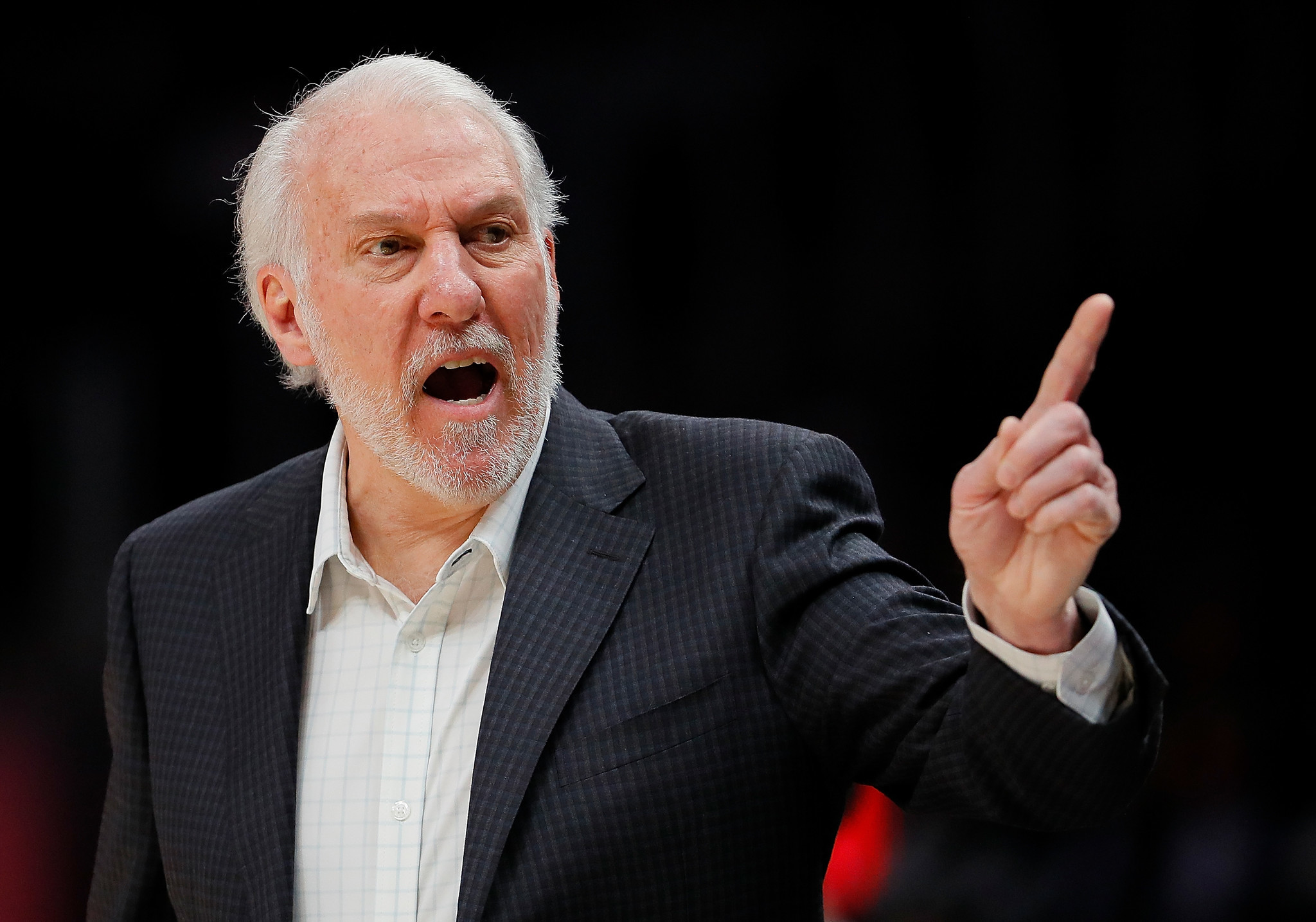 Spurs coach Gregg Popovich calls out the Knicks for acting unprofessionally in free agency