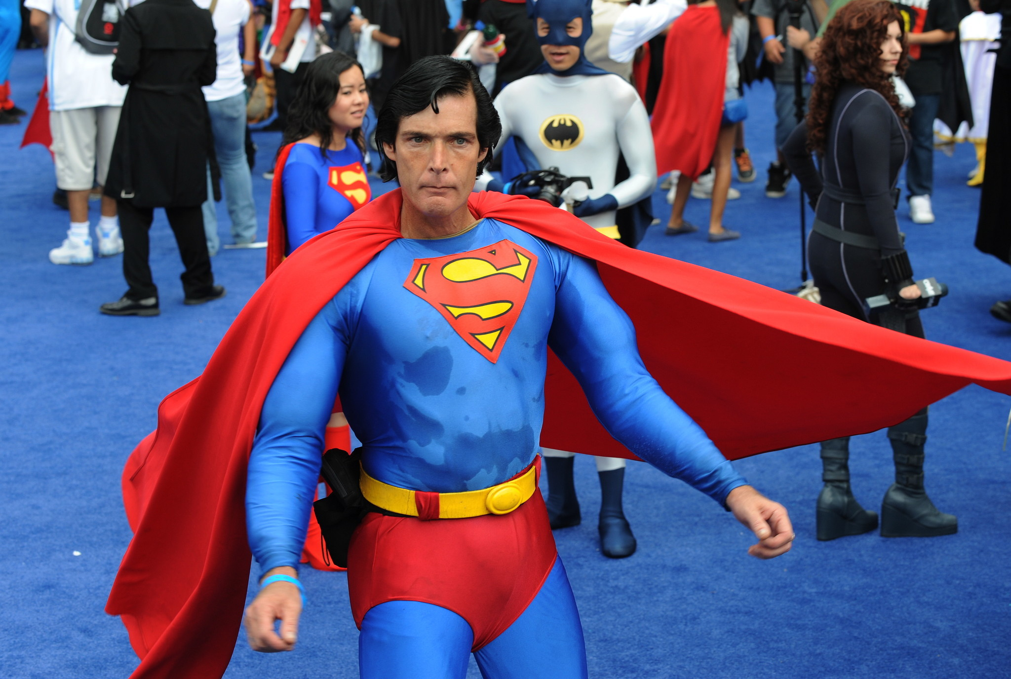'Hollywood Superman' will be buried in his costume, thanks to anonymous donors