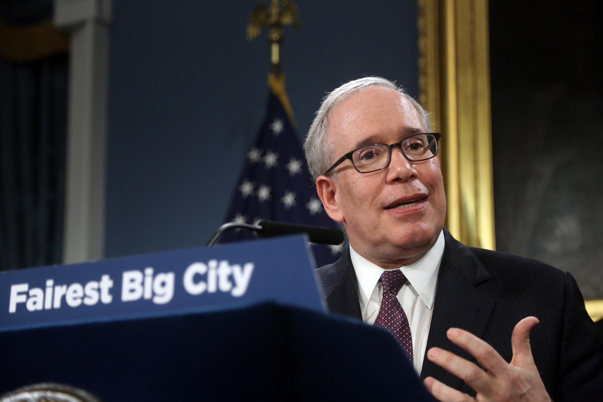 City Comptroller Scott Stringer calls on de Blasio to commit $1 billion per year to energy efficiency