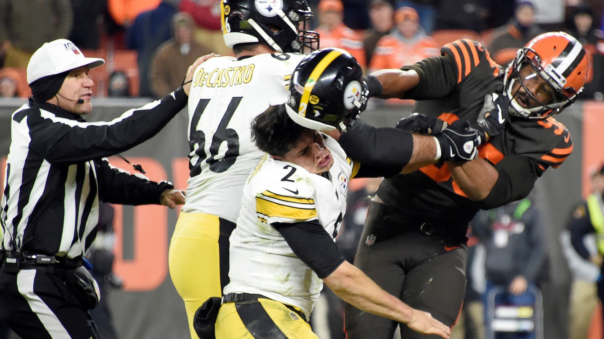 Browns' Myles Garrett reinstated, welcomed back to Cleveland 'with open arms'