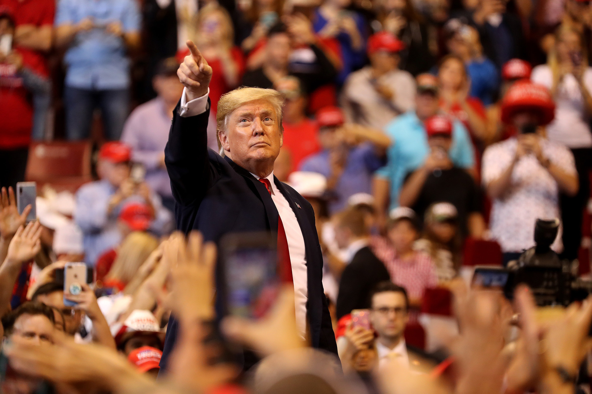 Trump embraces Florida at 'homecoming rally,' airs impeachment grievances