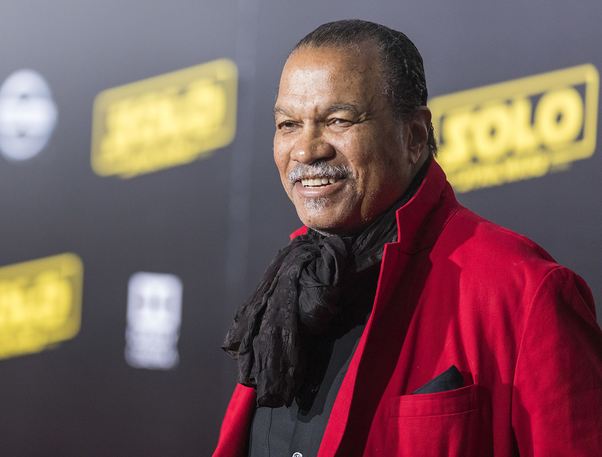 'Star Wars' star Billy Dee Williams says he identifies as masculine and feminine
