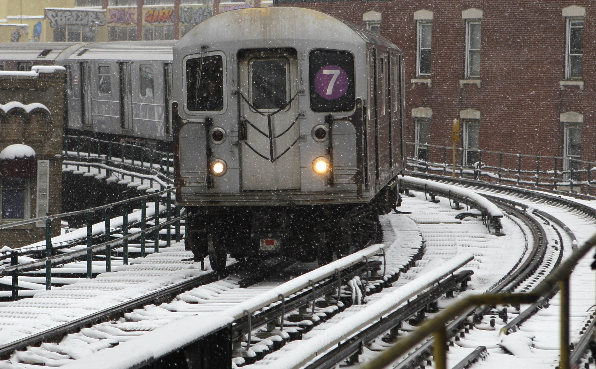New subway signal tech on No. 7 line failed during Monday snowstorm