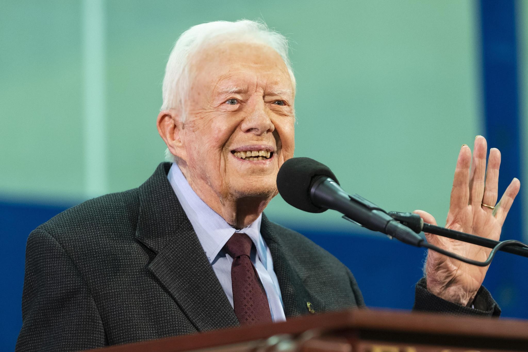 Former President Jimmy Carter leaves hospital after UTI treatment