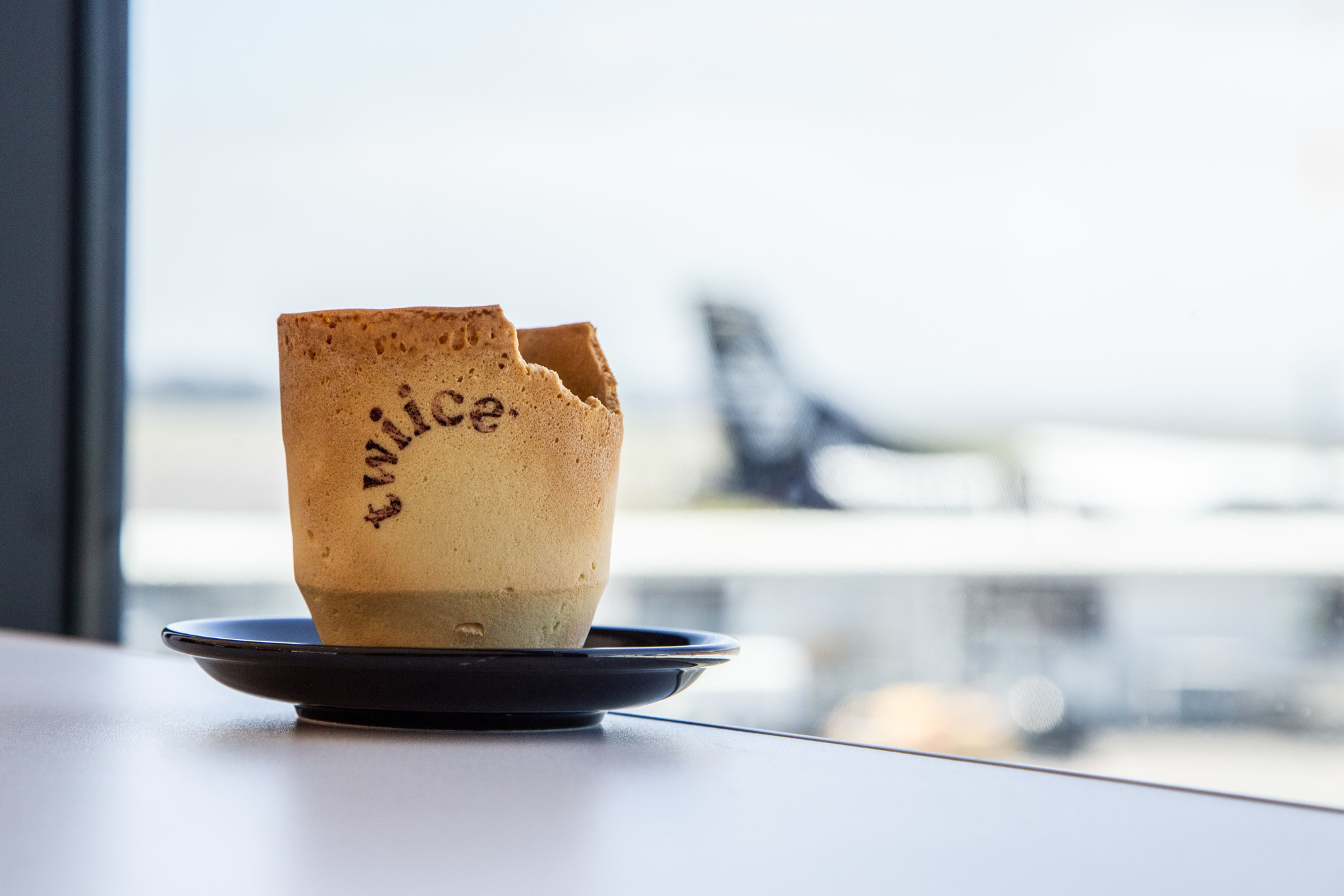 New Zealand airline testing edible biscotti coffee cups