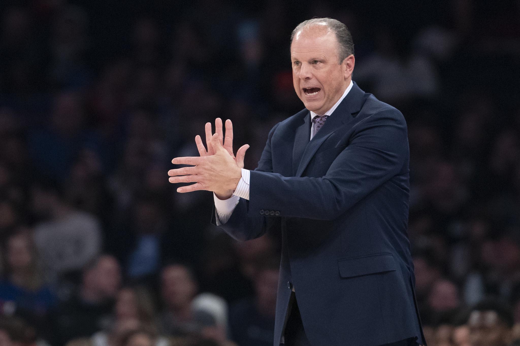 Knicks lose Mike Miller's debut as Julius Randle misses game-ending free throw