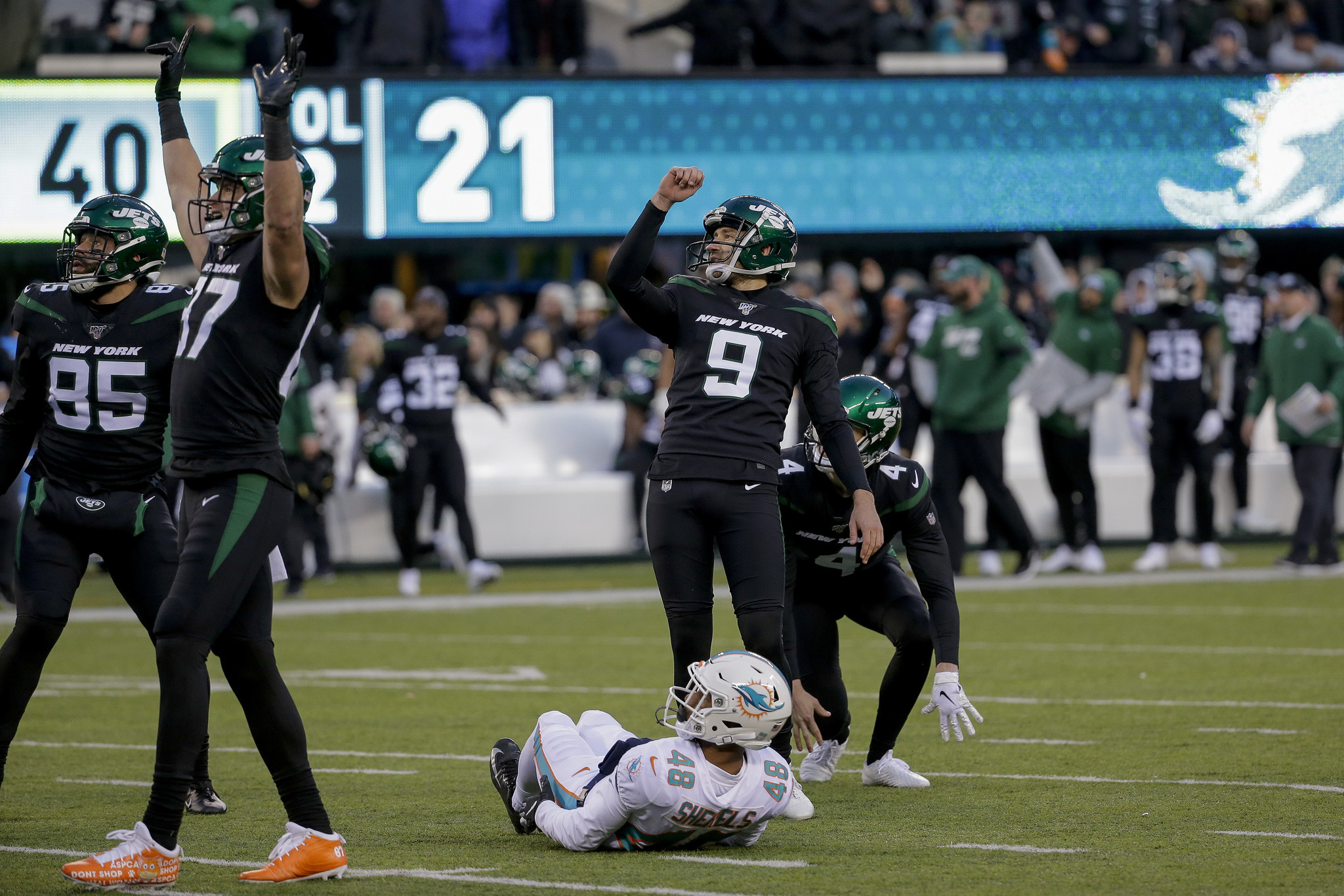 Adam Gase and the Jets finally get help from their kicker