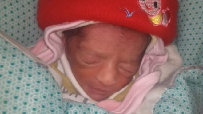 Paramedic steals baby girl, gives child to her childless aunt in Pakistan