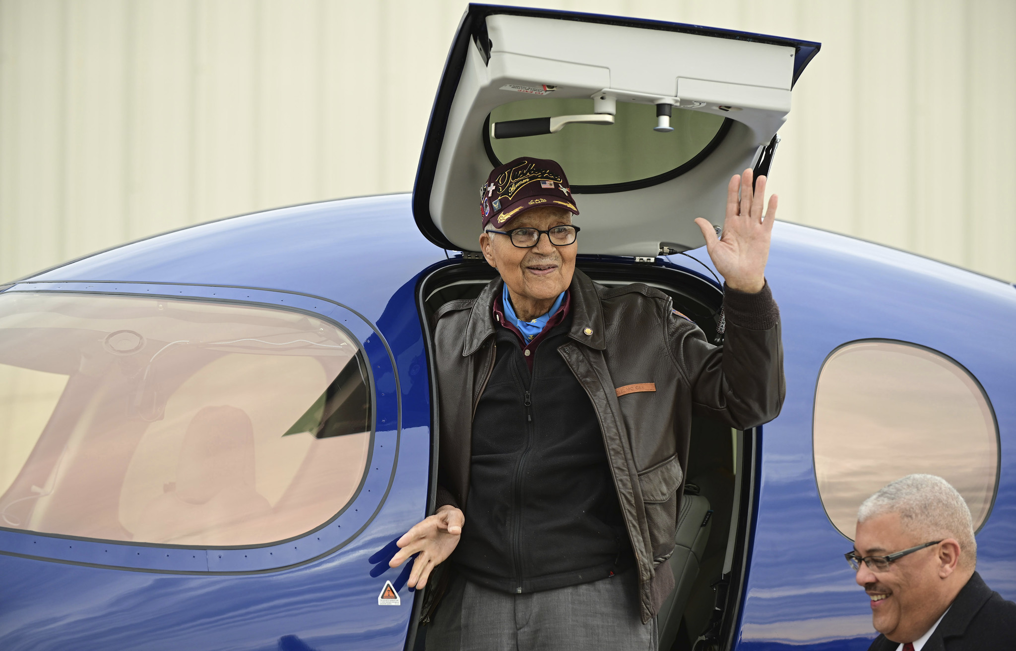 Tuskegee fighter pilot turns 100, celebrates with a return to the air