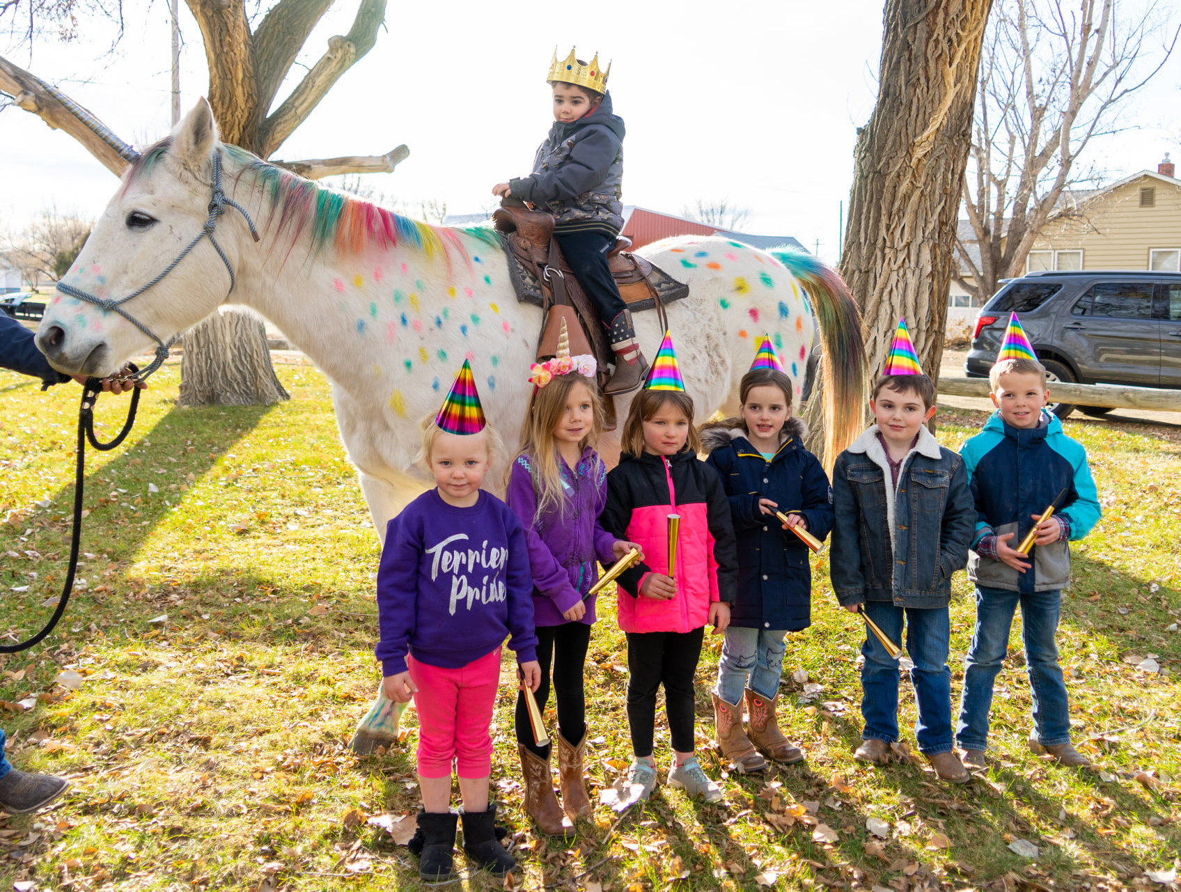 5-year-old Montana boy with brain cancer gets ride on 'unicorn'