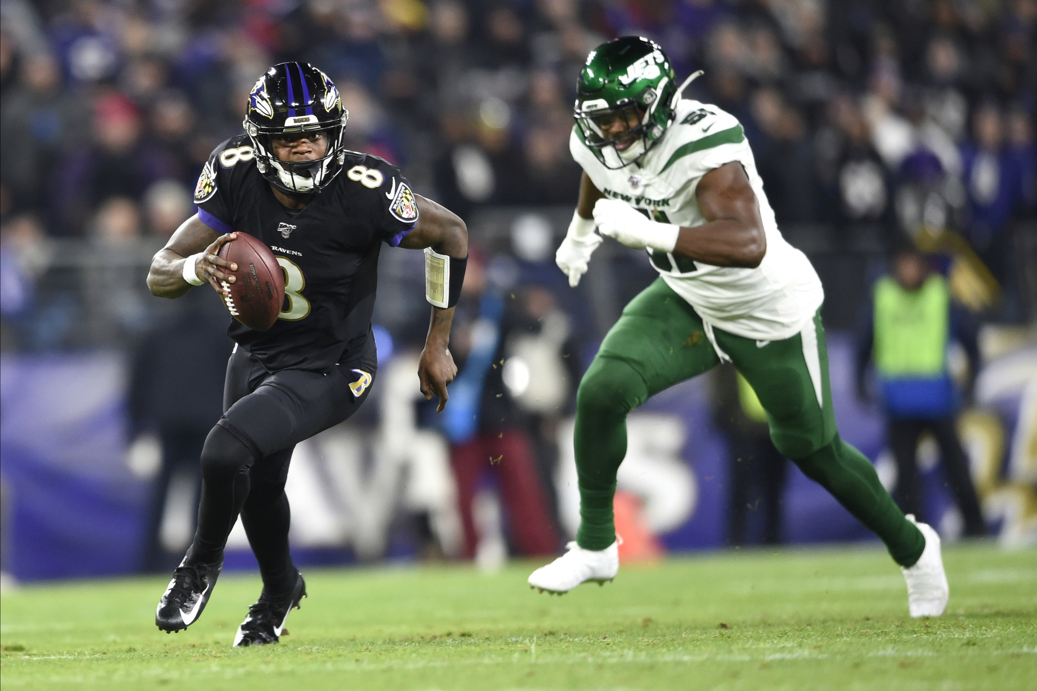 Lamar Jackson carves up the Jets, throws for 5 TDs in primetime laugher