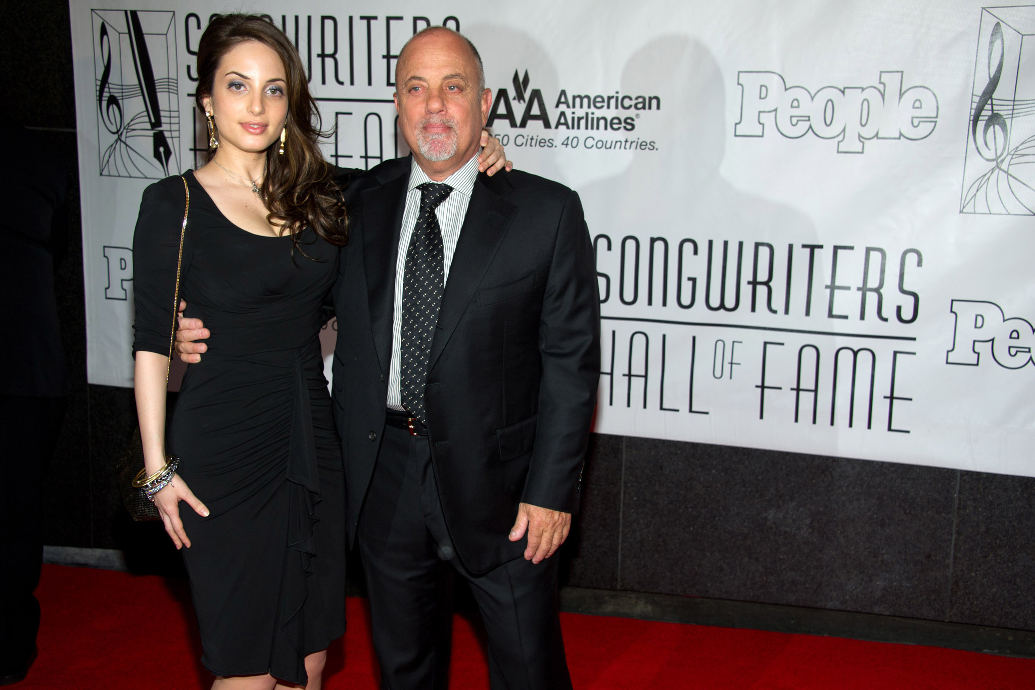 SEE IT: Billy Joel plays 'White Christmas' with daughter Alexa Ray Joel at MSG