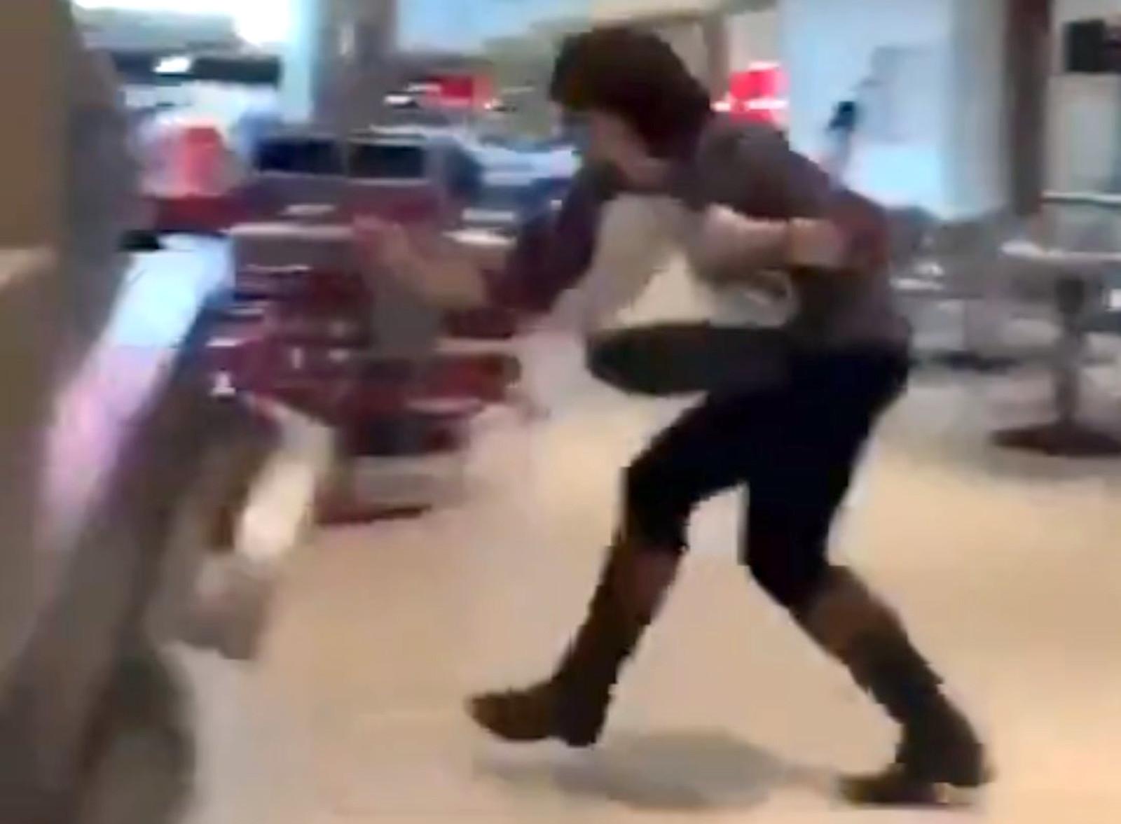 1 person shot at Atlanta mall food court, terrifying holiday shoppers