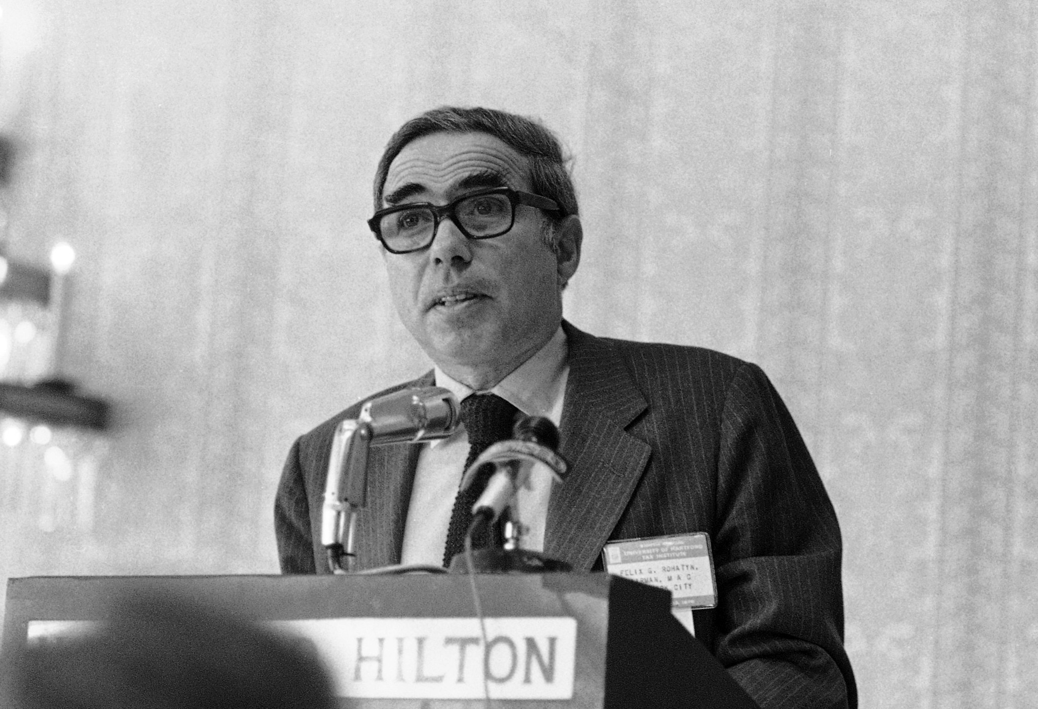 Felix Rohatyn, Wall Street deal maker who saved NYC from bankruptcy, dies at 91