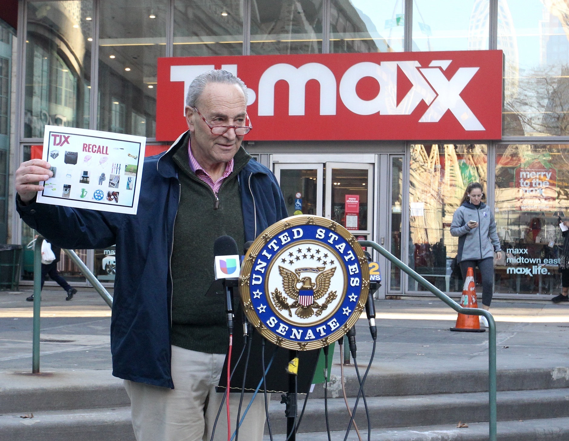 Schumer wants fed probe of TJ Maxx, Marshalls and HomeGoods stores over sales of deadly products