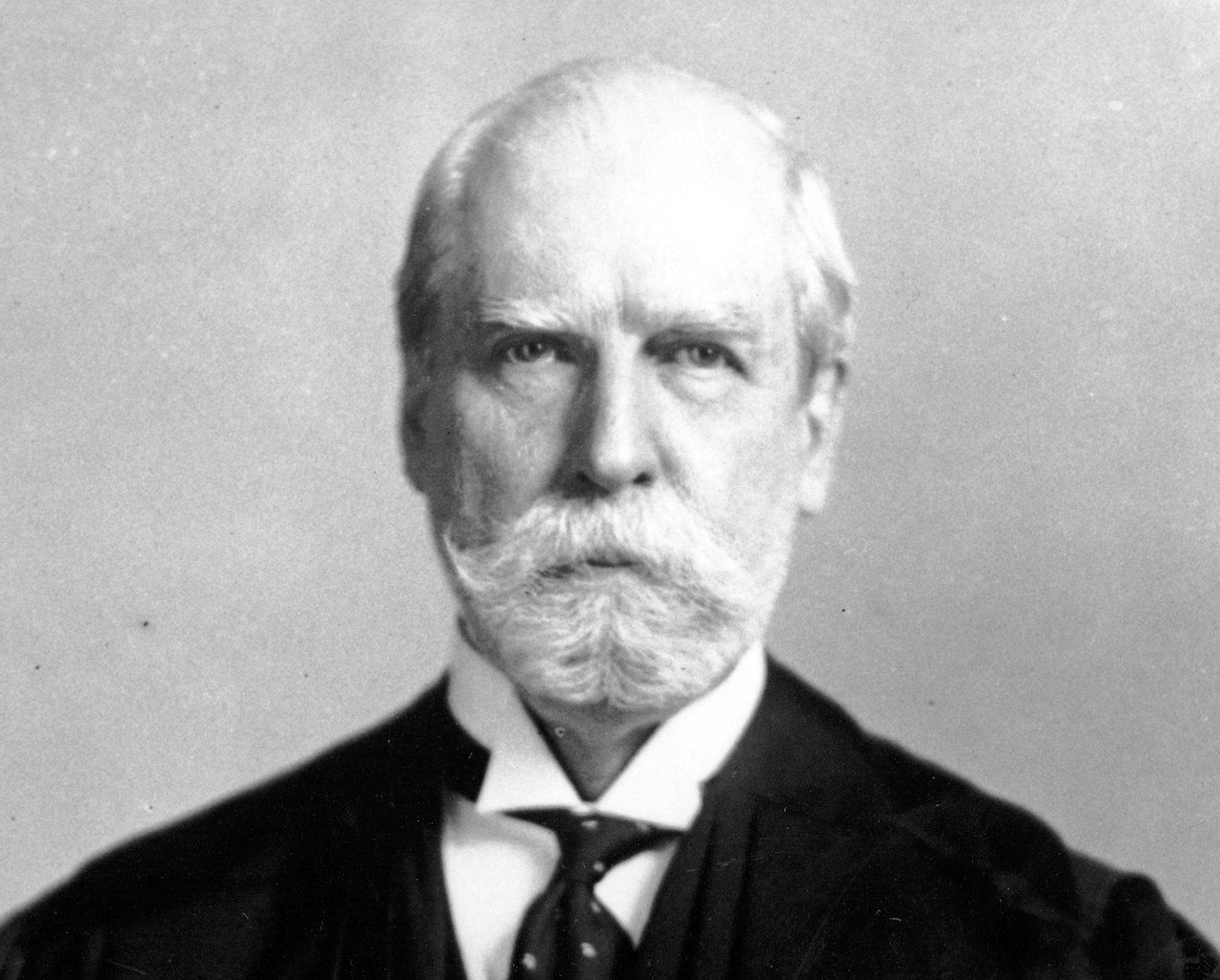 A century ago, a noble fight: What Charles Evans Hughes did when the New York Legislature refused to seat five Socialists