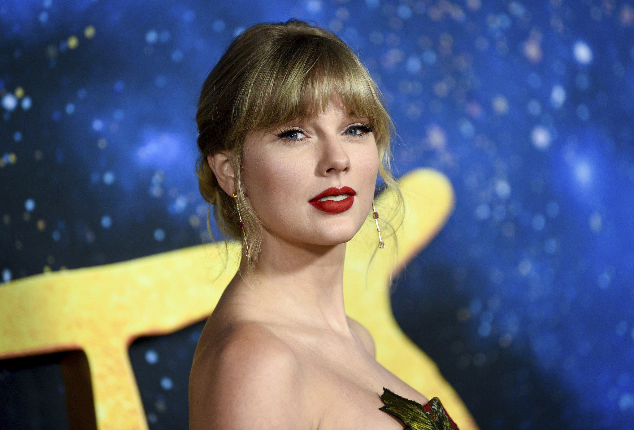 Taylor Swift to be honored with GLAAD's Vanguard Award