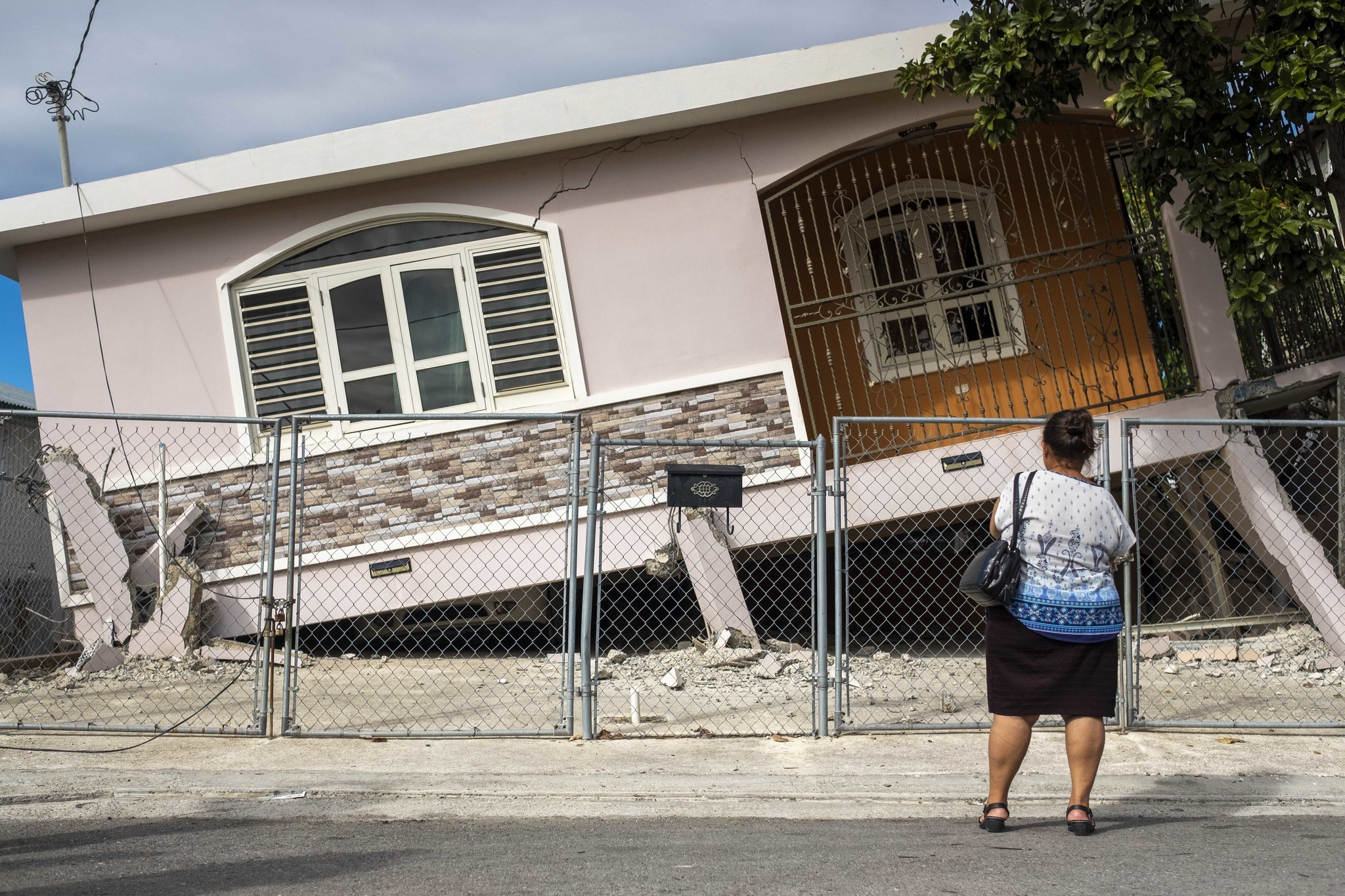 Puerto Rico struck with with 6.0-magnitude earthquake
