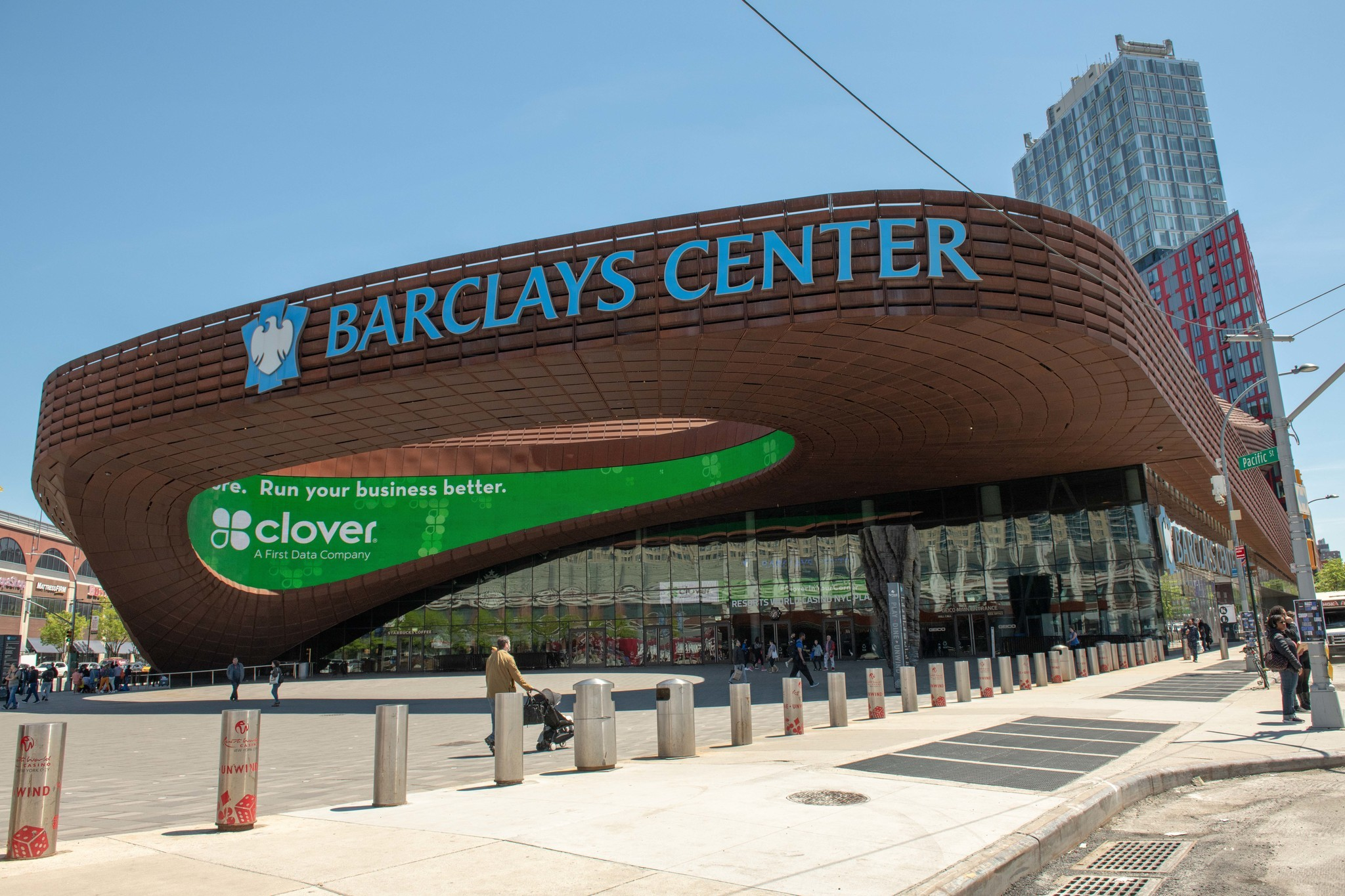 GRIDLOCK SAM: Sports action in area arenas will bring fans — and their vehicles — into Manhattan, Brooklyn and Long Island streets