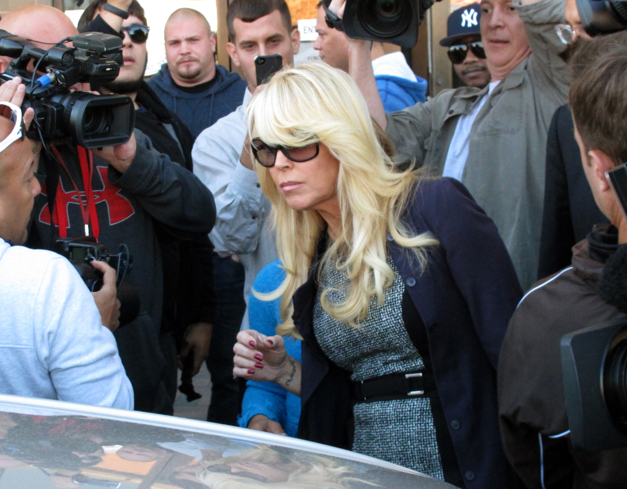 Lindsey Lohan's mom charged with DWI, fleeing scene of Long Island fender-bender