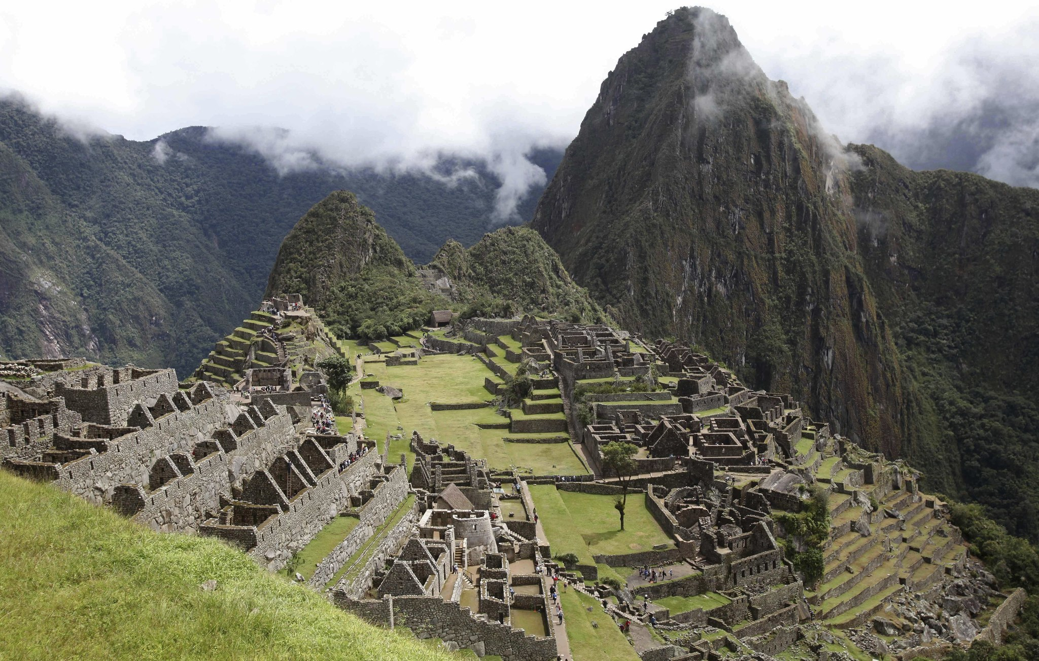 6 tourists accused of 'attack' at Machu Picchu, arrested after feces found at sacred site
