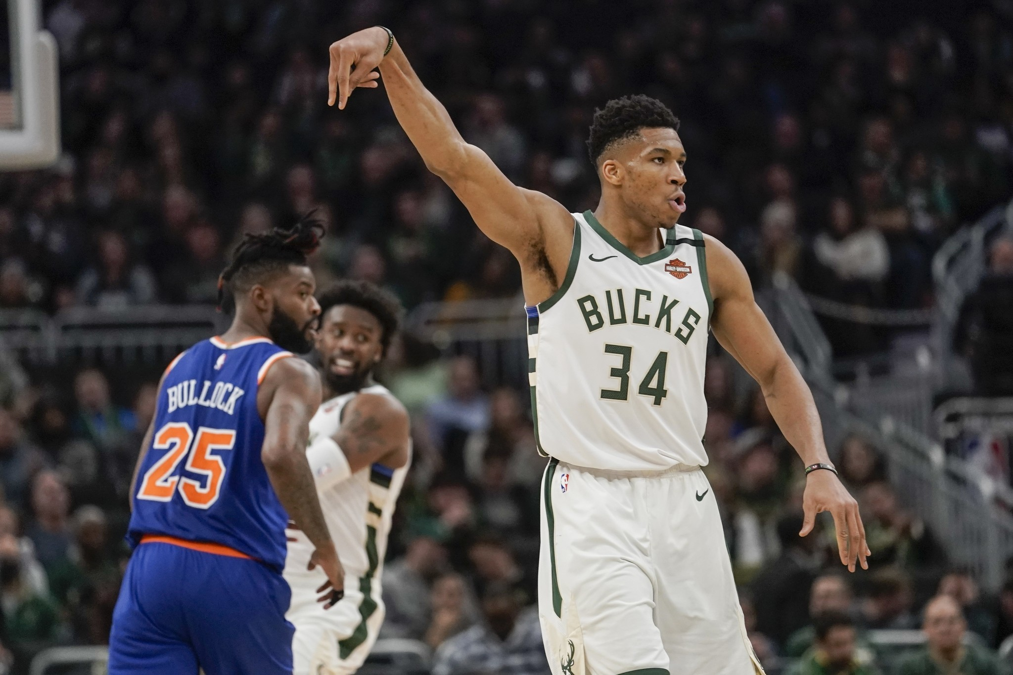 Giannis Antetokounmpo dominates Knicks and hands them 6th loss in 7 games