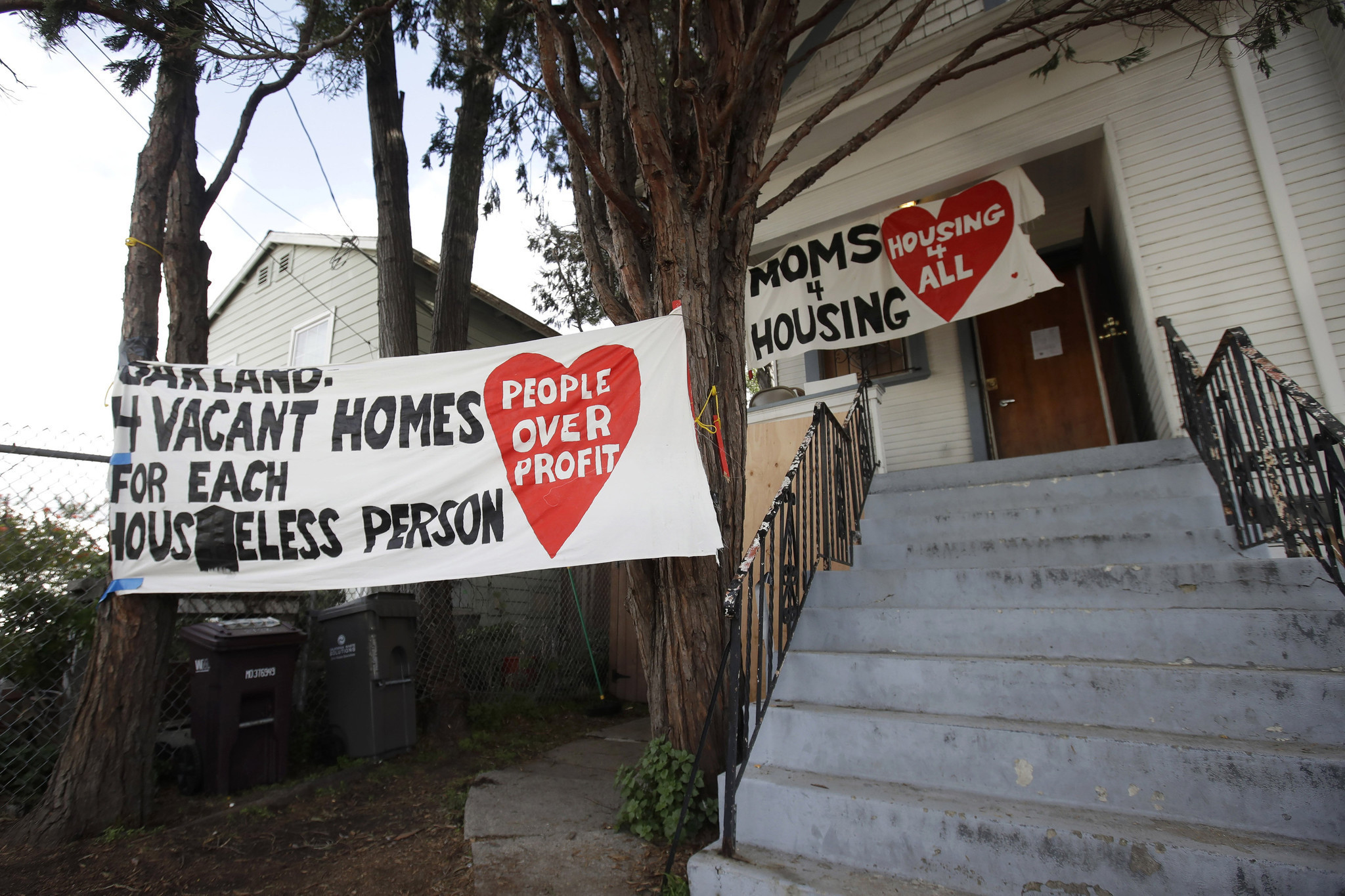 Homeless Oakland mothers forcibly evicted from vacant home