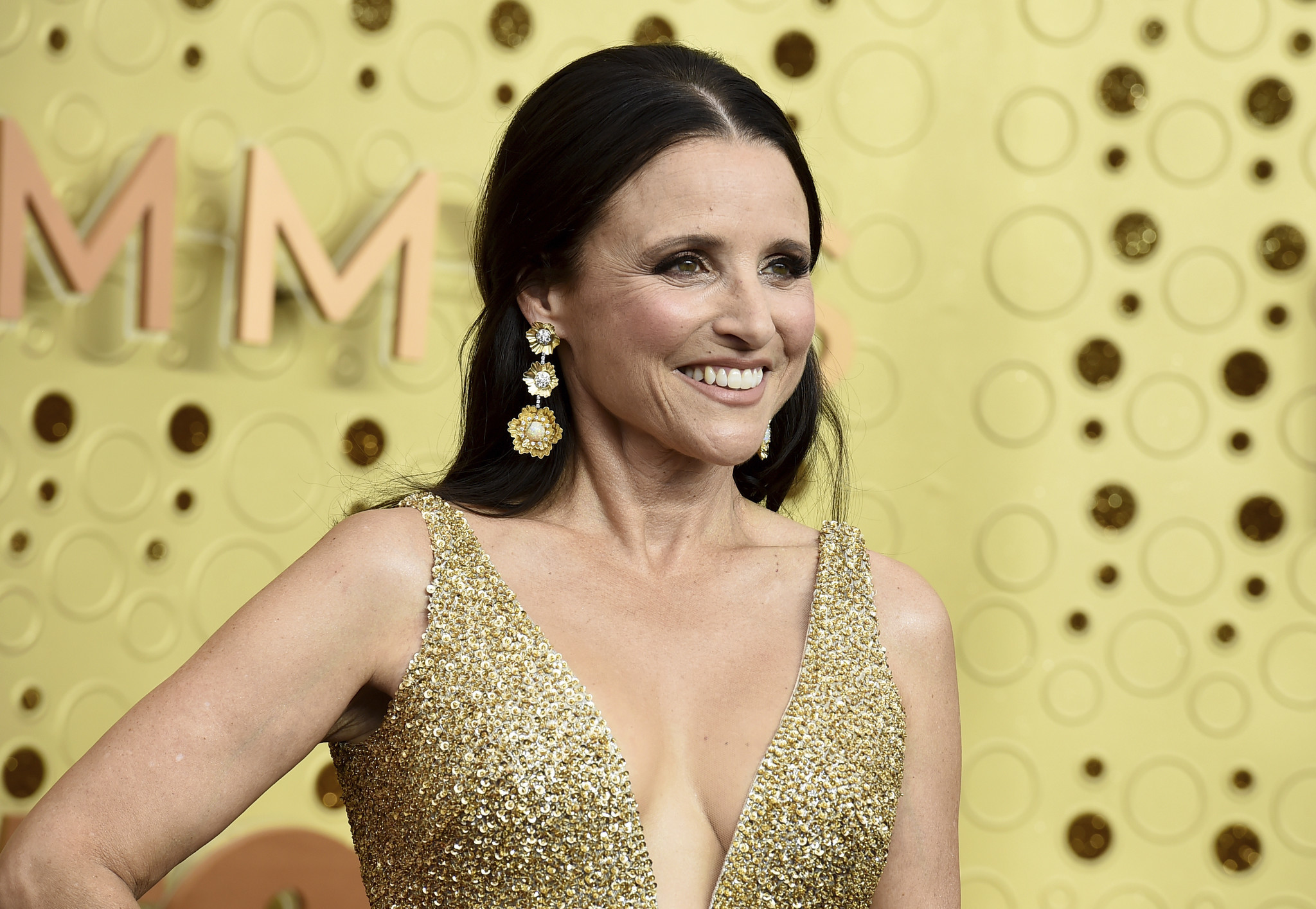 Julia Louis-Dreyfus signs exclusive deal with Apple: 'I am paid in AirPods'