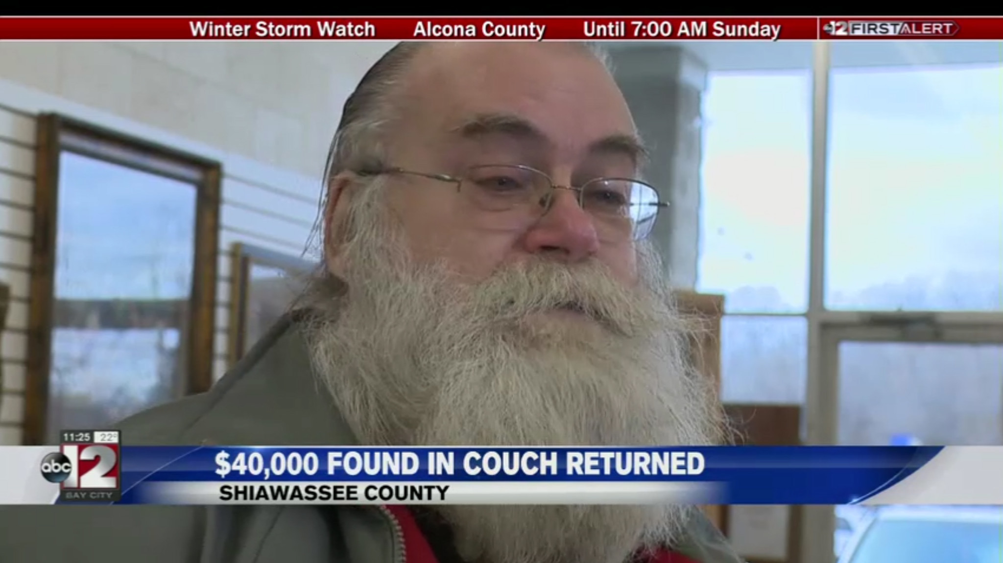 Man finds $43K in a used sofa and return it to the family that had donated its dead grandpa's couch to charity
