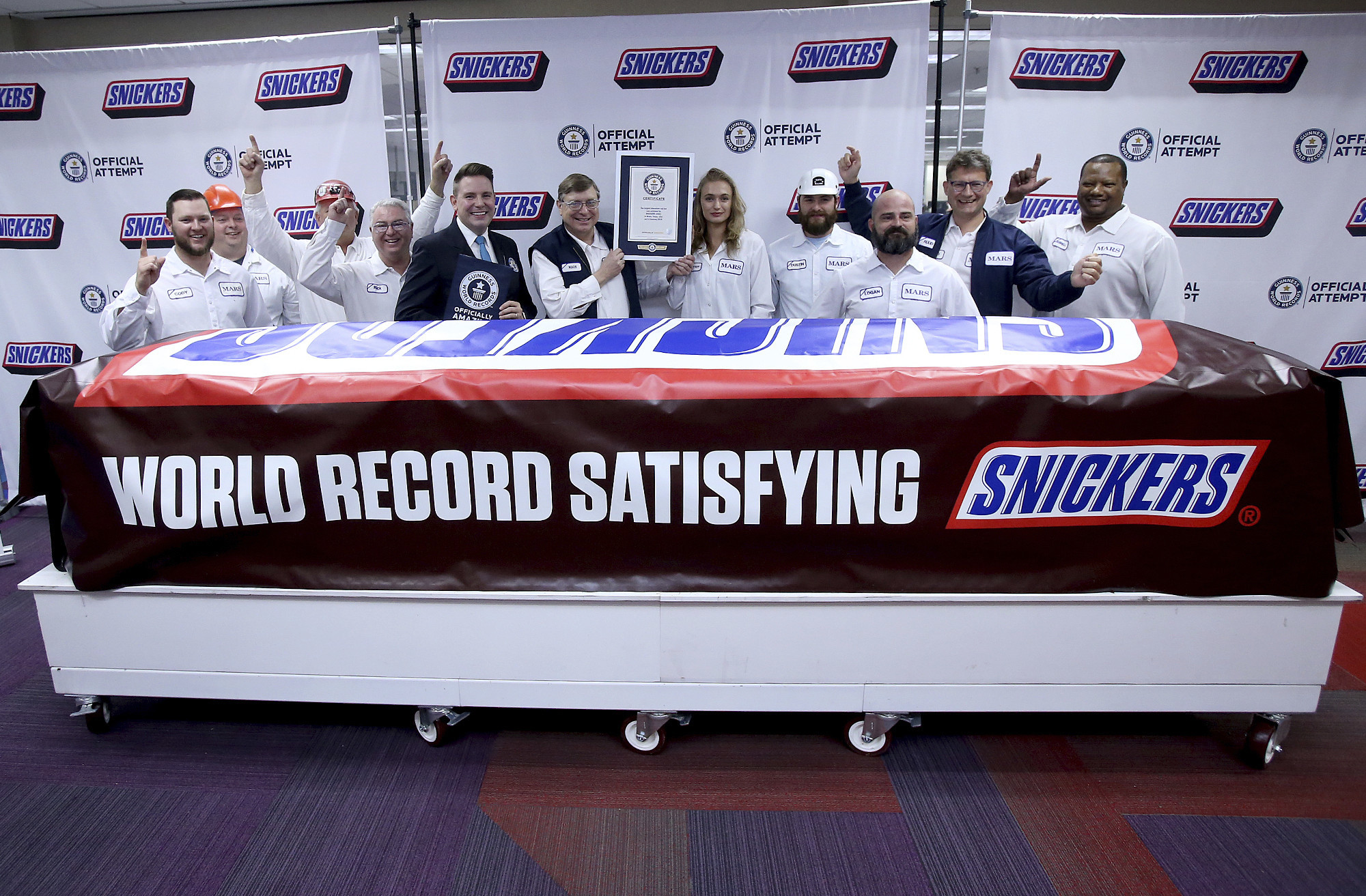 Snickers bar weighing 4,700 pounds is world's largest, says Guinness