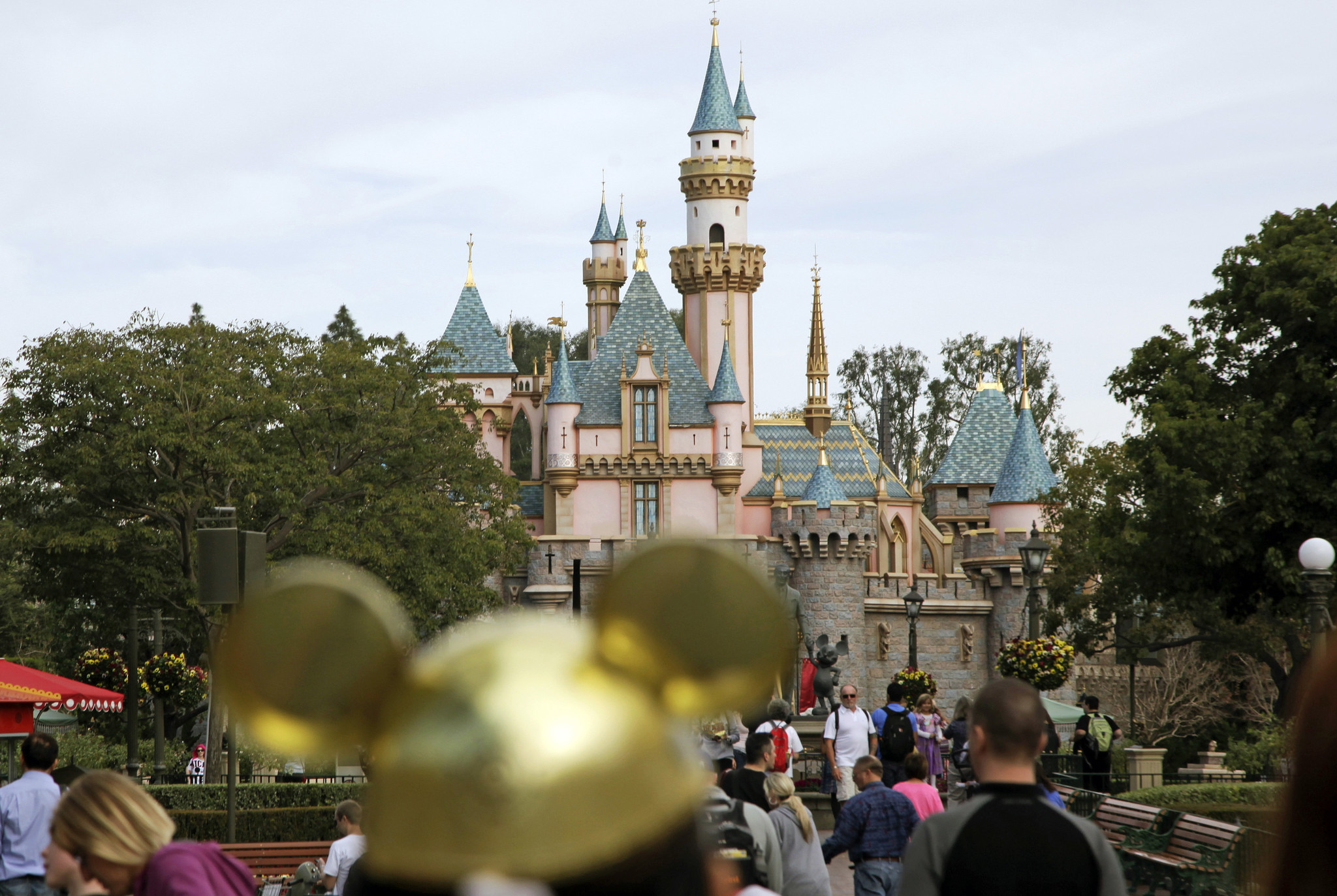 Sword in stone at Disneyland pulled out by 'pretty buff dude'